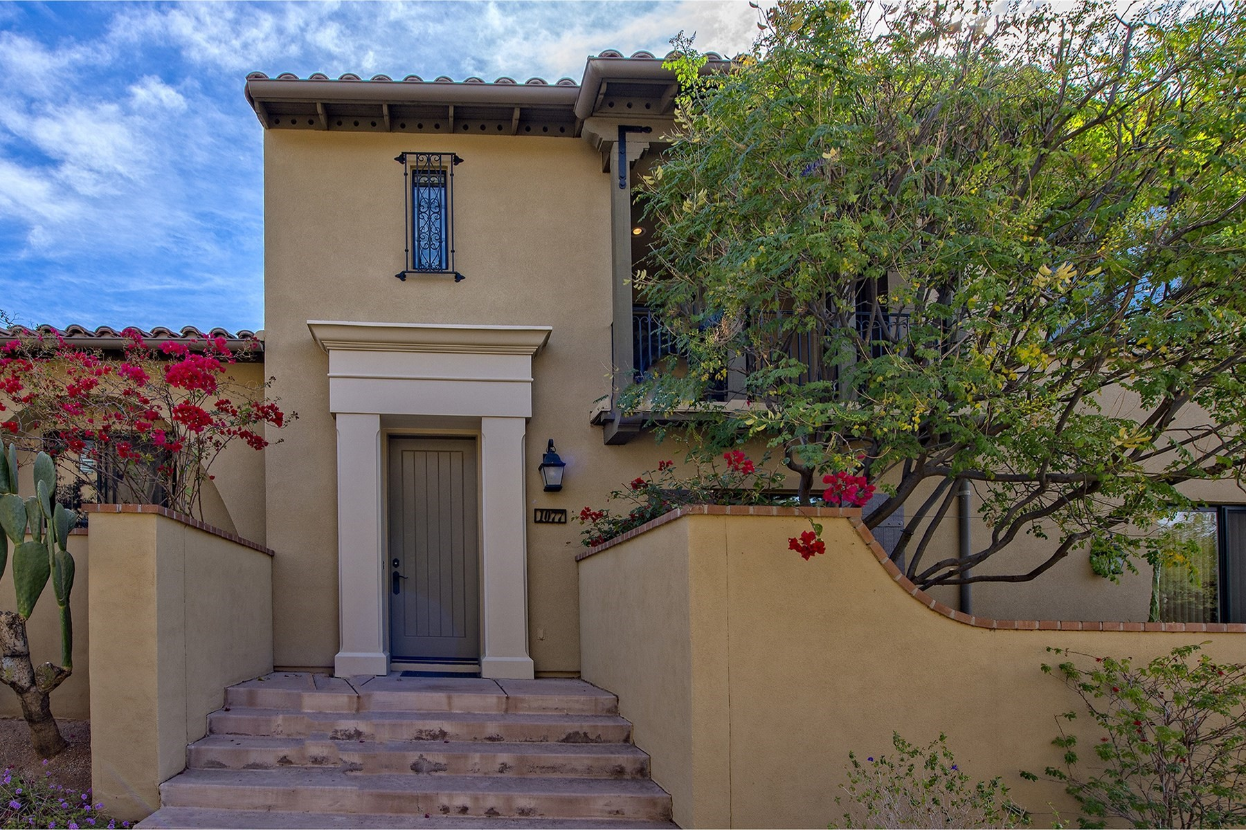 Townhouse for Sale at Lovely bright Villa in DC Ranch Courtyards 20704 N 90th Pl #1077, Scottsdale, Arizona, 85255 United States