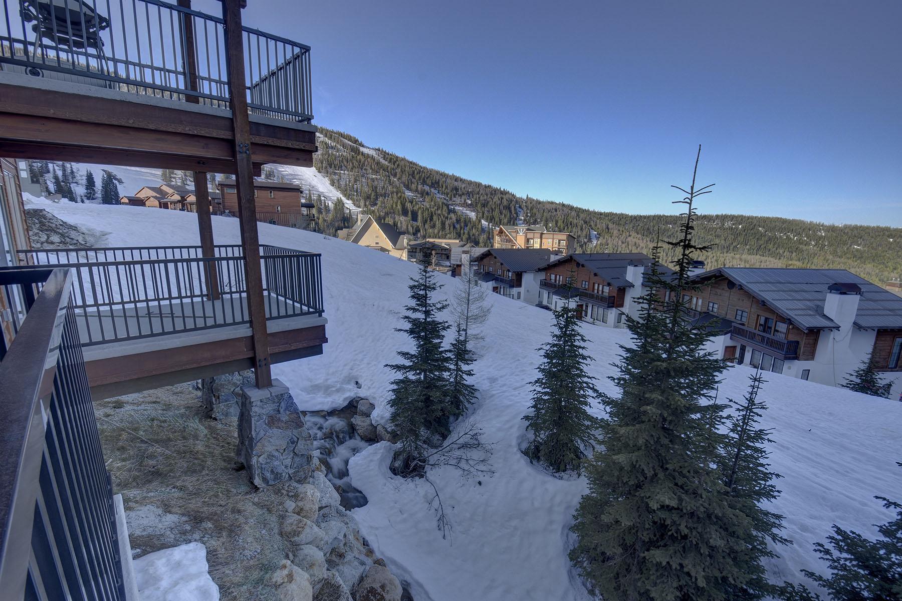 Nhà ở một gia đình vì Bán tại Beautifully appointed ski in/ski out residence on Schweitzer! 135 Chutes Ln Sandpoint, Idaho, 83864 Hoa Kỳ