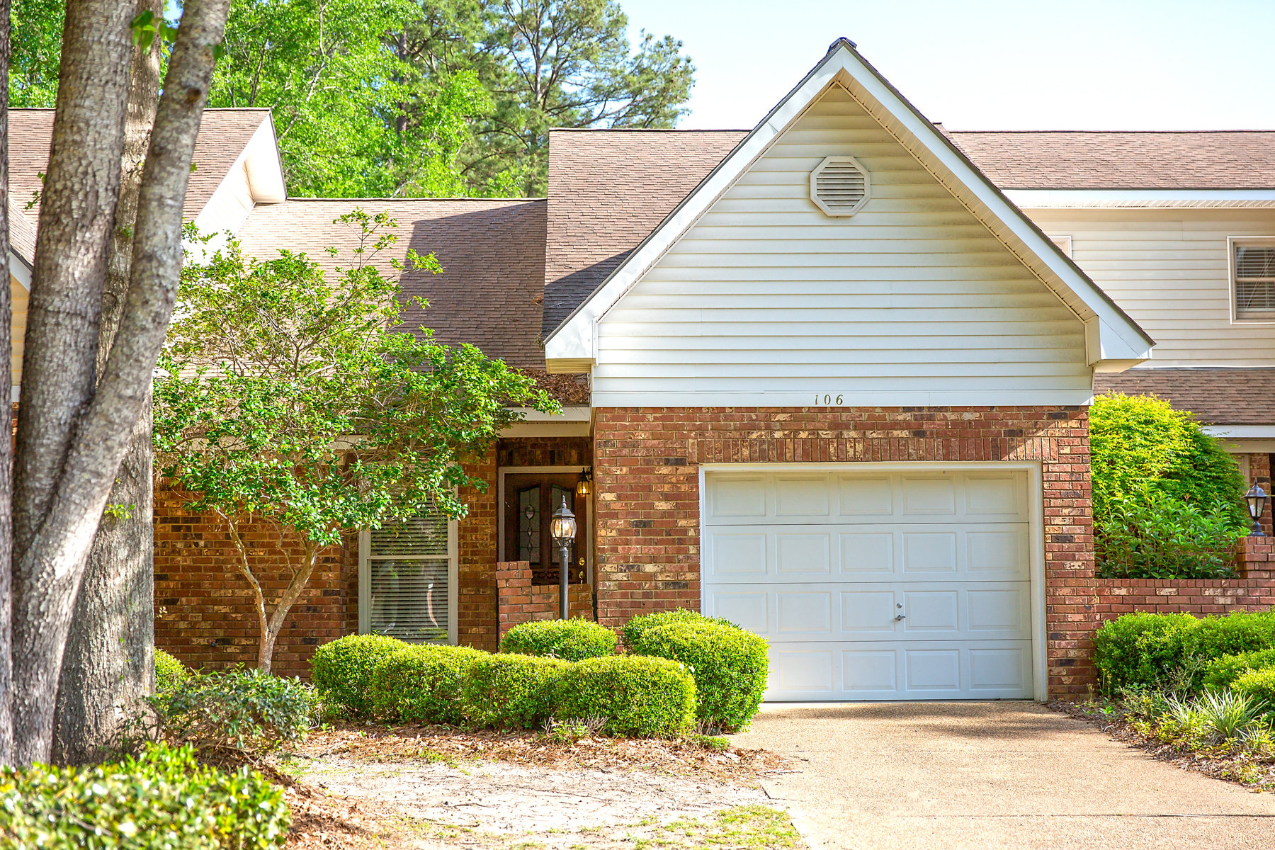 Townhouse for Active at Private Townhome Living 106 Pointe Cove Bainbridge, Georgia 39819 United States