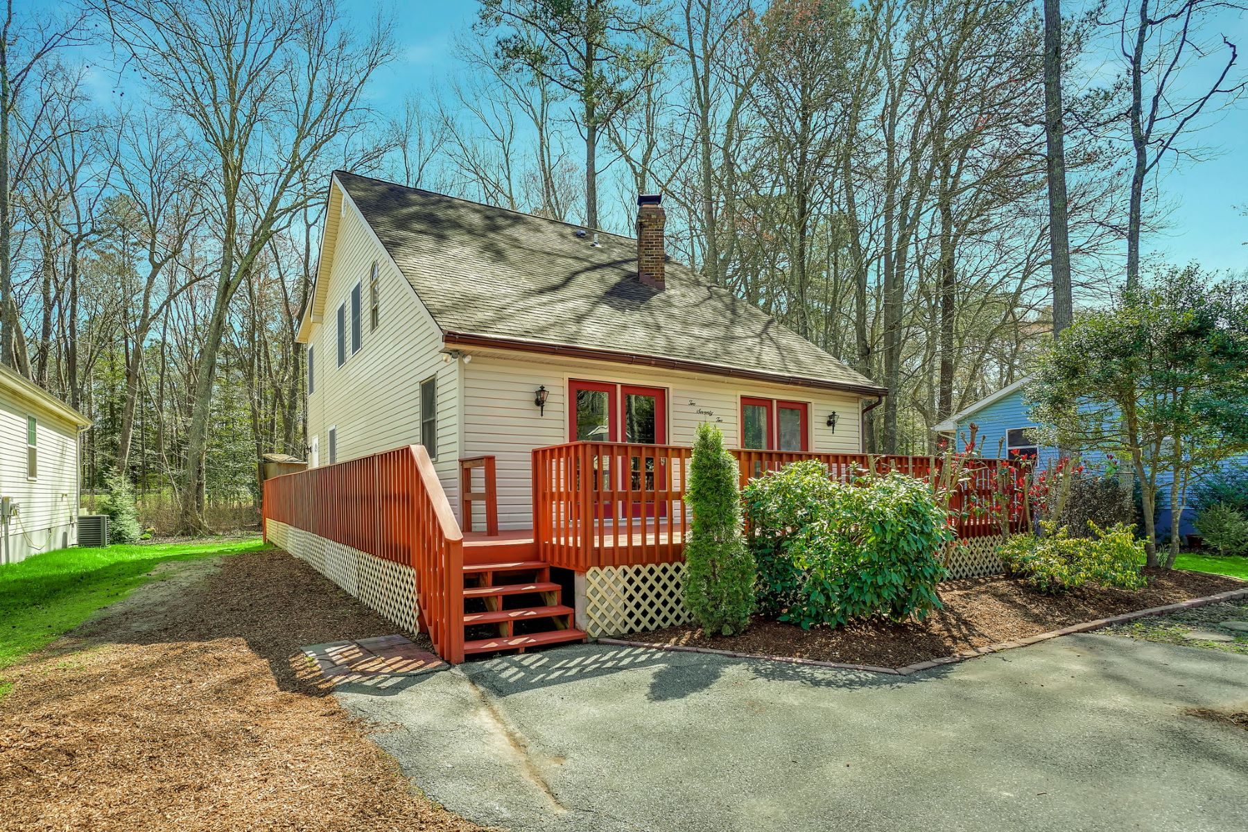 Single Family Homes for Sale at 272 Windjammer Rd Ocean Pines, Maryland 21811 United States