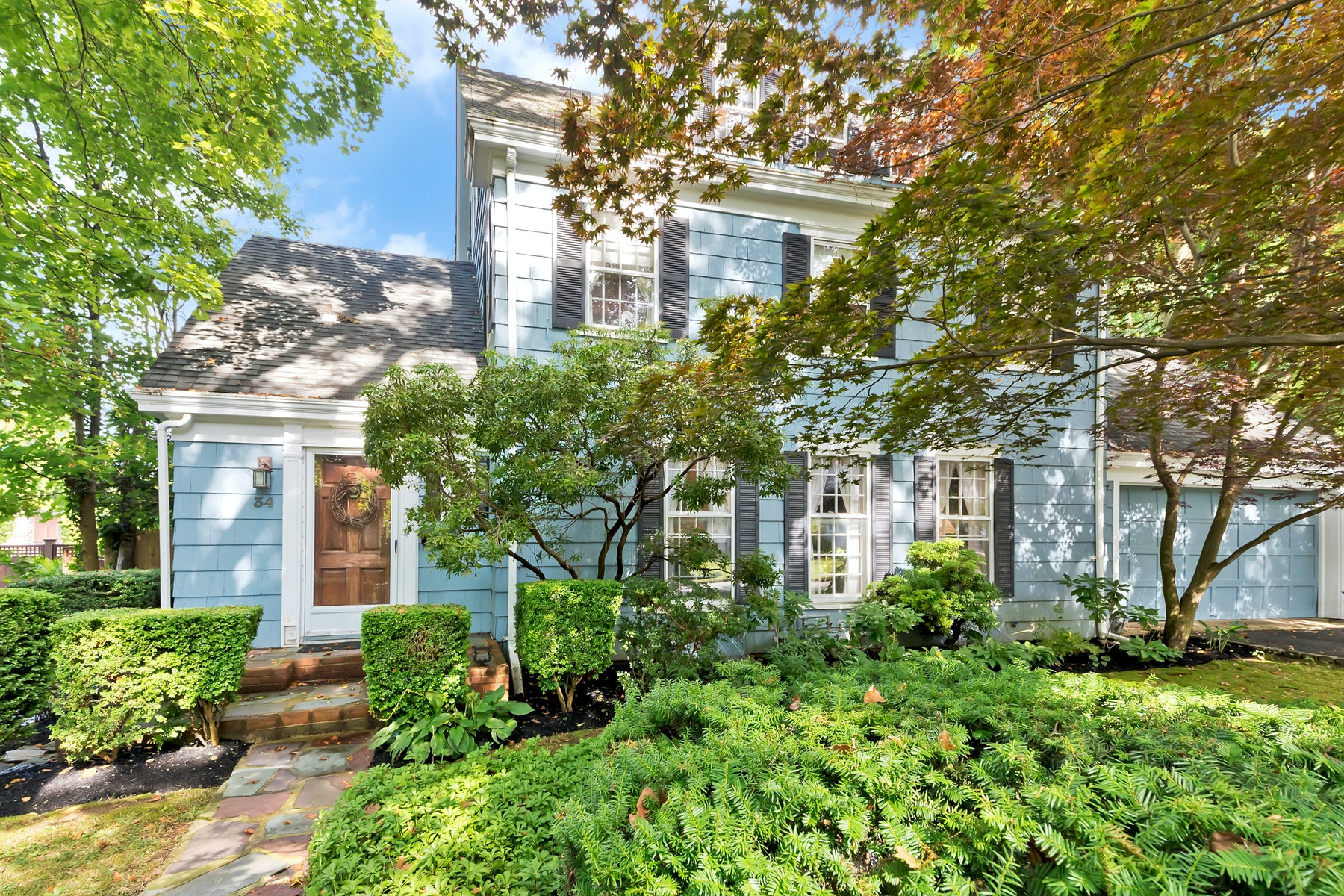 Single Family Homes for Active at 34 Buttonwood Drive Shrewsbury, New Jersey 07702 United States