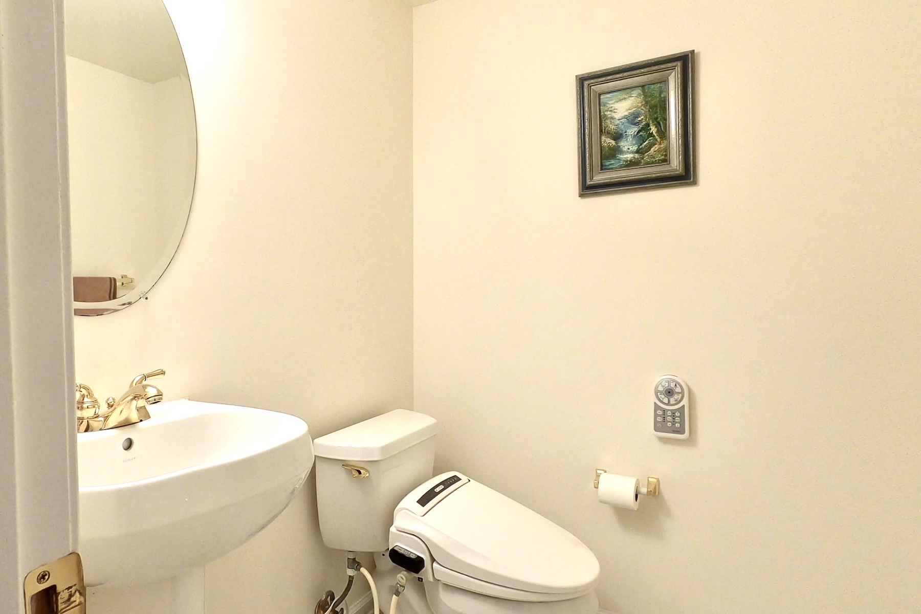 Additional photo for property listing at Privacy is a new luxury! 12 Cinnamon Court, 霍木德尔镇, 新泽西州 07733 美国