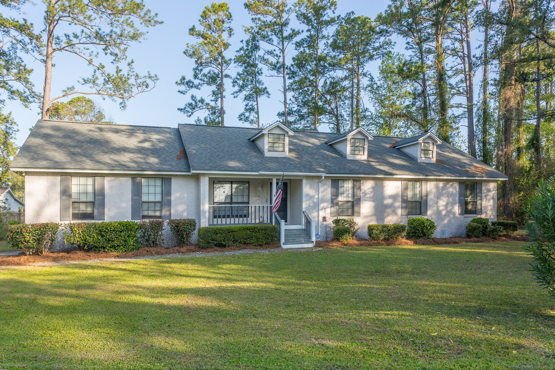 Single Family Homes for Active at 105 Clipper Lane Brunswick, Georgia 31523 United States