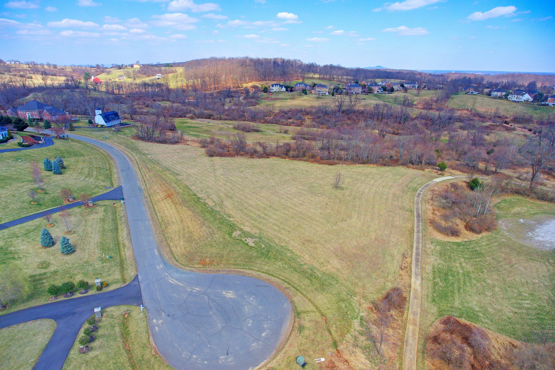 Land for Sale at Prestigious Whirlaway Lot 0 Whirlaway Court Leesburg, Virginia 20176 United States
