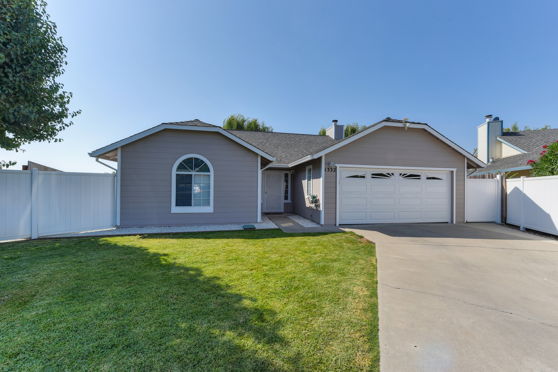 Maison unifamiliale pour l Vente à 1332 Corodon St, Walnut Grove, CA 95690 Walnut Grove, Californie 95690 États-Unis