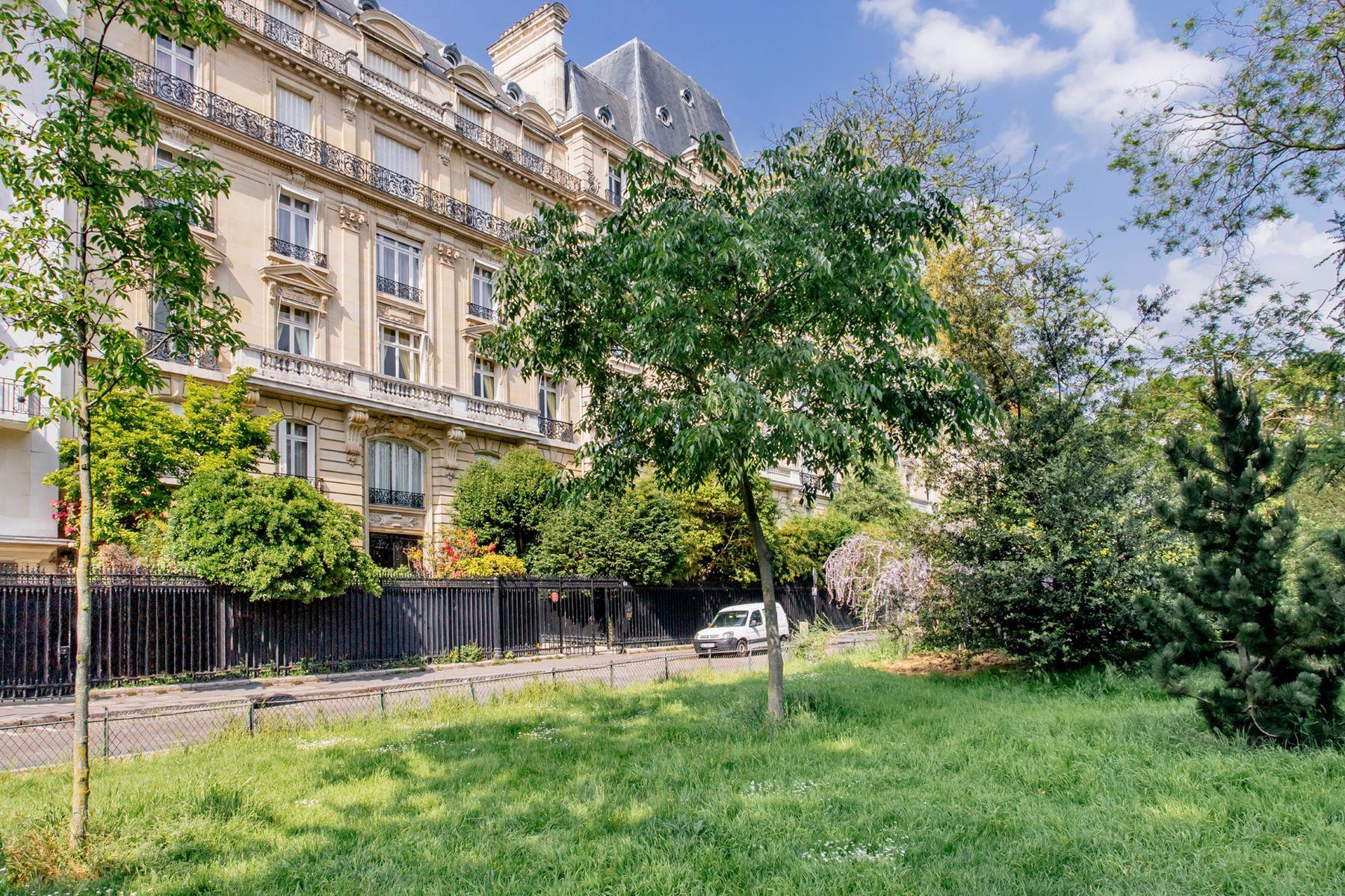 Apartment for Sale at Foch GB 60 avenue Foch Paris, Paris 75116 France