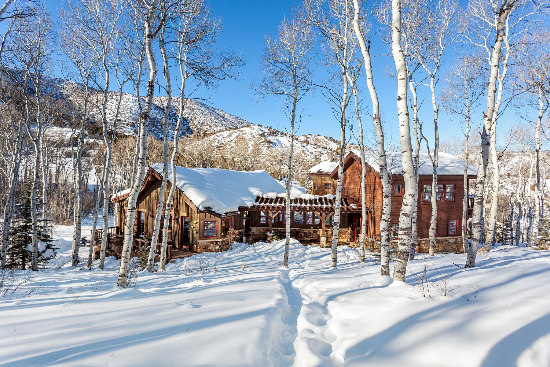 Maison unifamiliale pour l Vente à Custom Home Nestled in Aspen Grove 124 Spring Place Edwards, Colorado, 81632 États-Unis