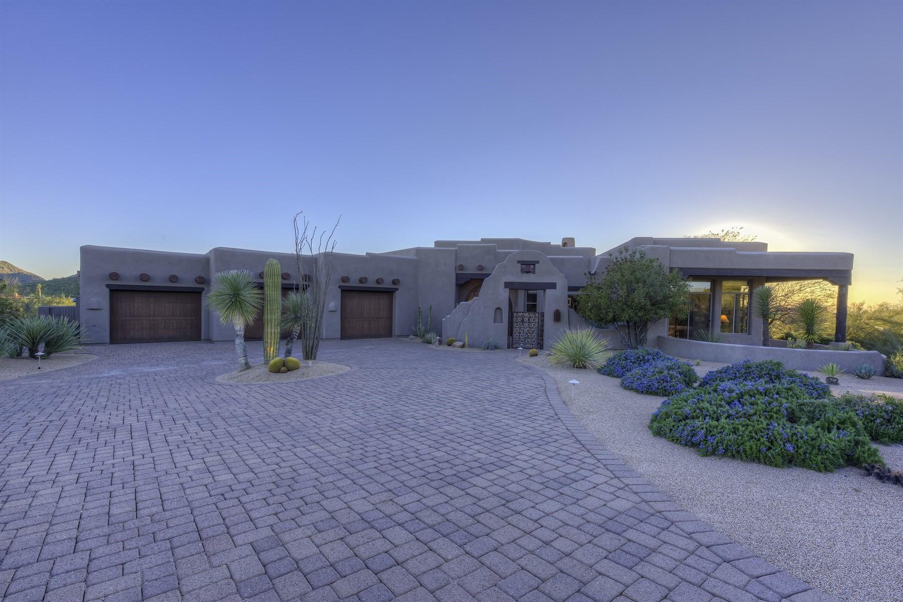 단독 가정 주택 용 매매 에 Custom territorial style home with amazing mountain views 10231 E Whispering Wind Dr Scottsdale, 아리조나, 85255 미국