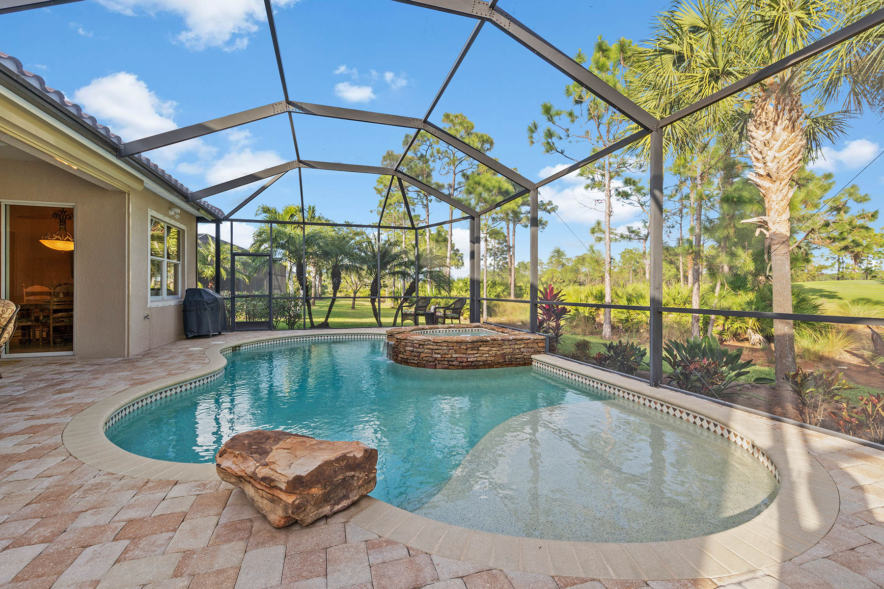 Single Family Homes for Sale at THE PLANTATION - SOMERSET 13115 Simsbury Terrace Fort Myers, Florida 33913 United States