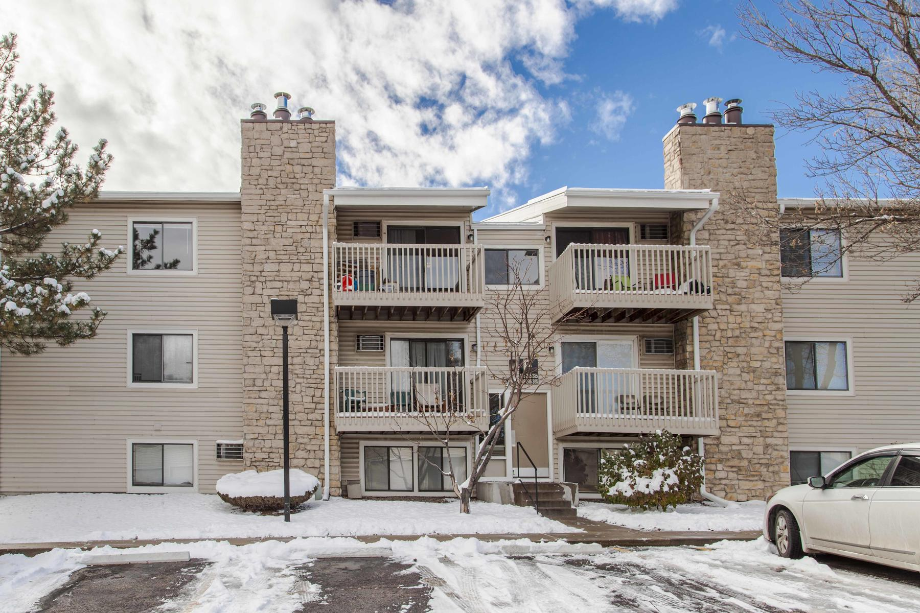 Condominium for Active at Spacious Two Bed Two Bath 381 S Ames St #F305 Lakewood, Colorado 80226 United States
