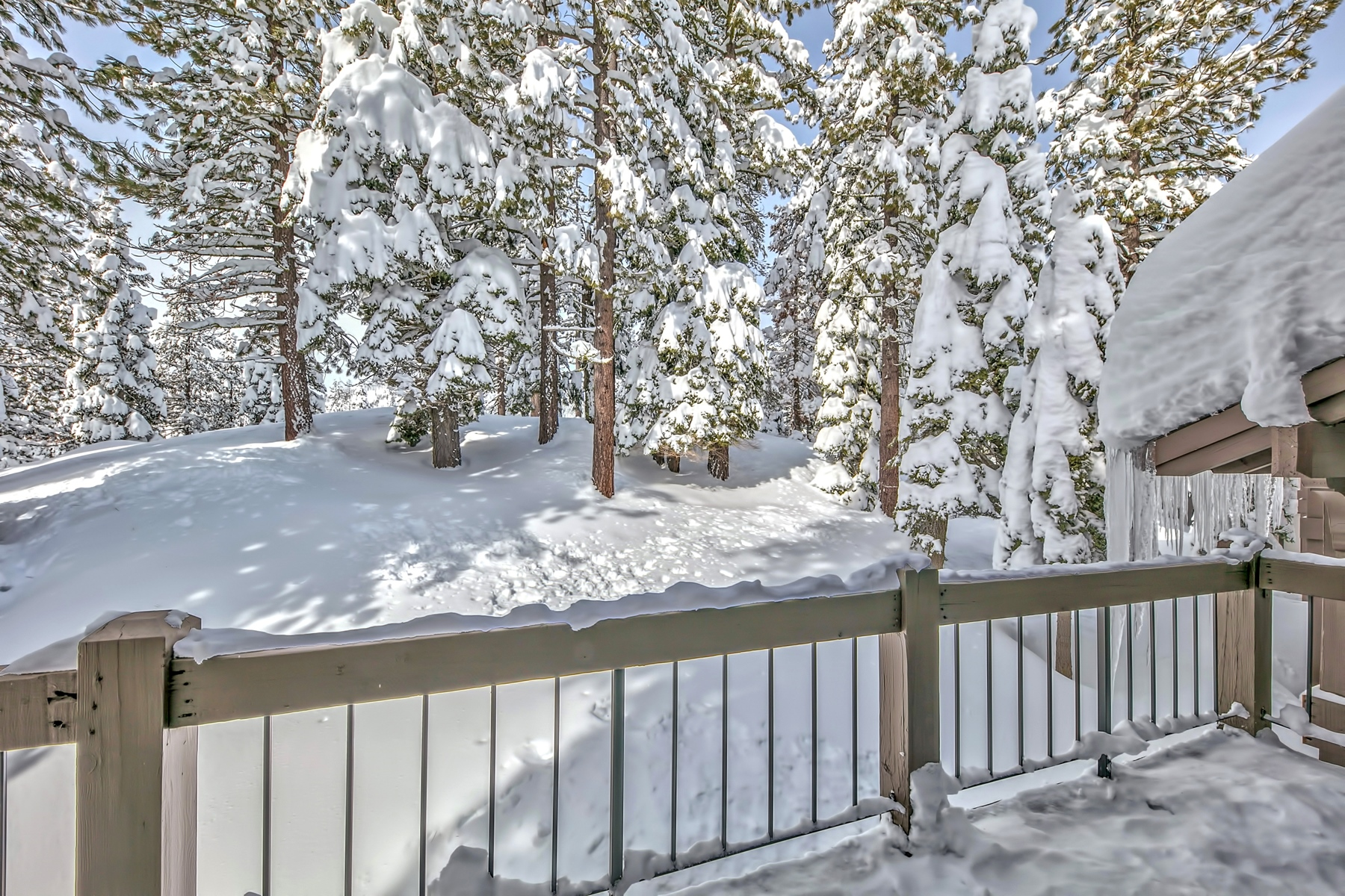 Additional photo for property listing at 227 Squaw Valley Road. #24, Olympic Valley, CA 227 Squaw Valley Road #24 Olympic Valley, California 96146 United States
