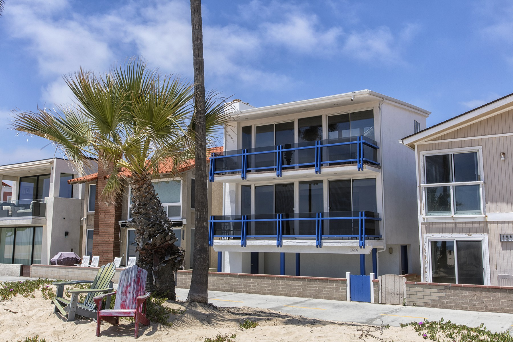 condominiums for Active at 1516 W Oceanfront # B Newport Beach, California 92663 United States