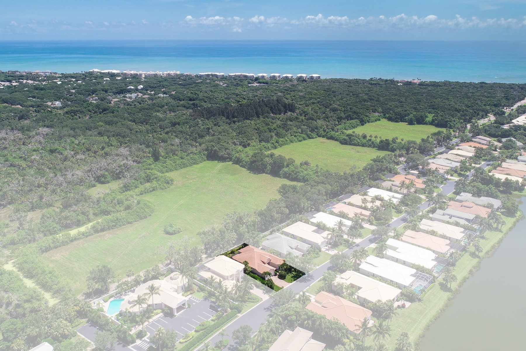Additional photo for property listing at Picture Perfect Home in Island Club 1233 W Island Club Square Vero Beach, Florida 32963 United States