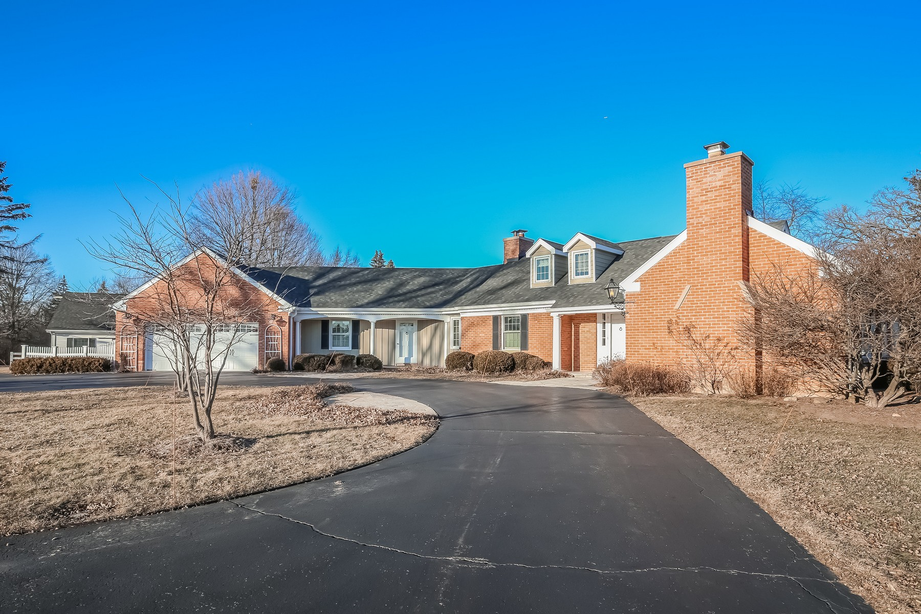 Single Family Home for Sale at Fabulous Cape Cod Home in Barrington Hills 254 Donlea Road, Barrington Hills, Illinois, 60010 United States