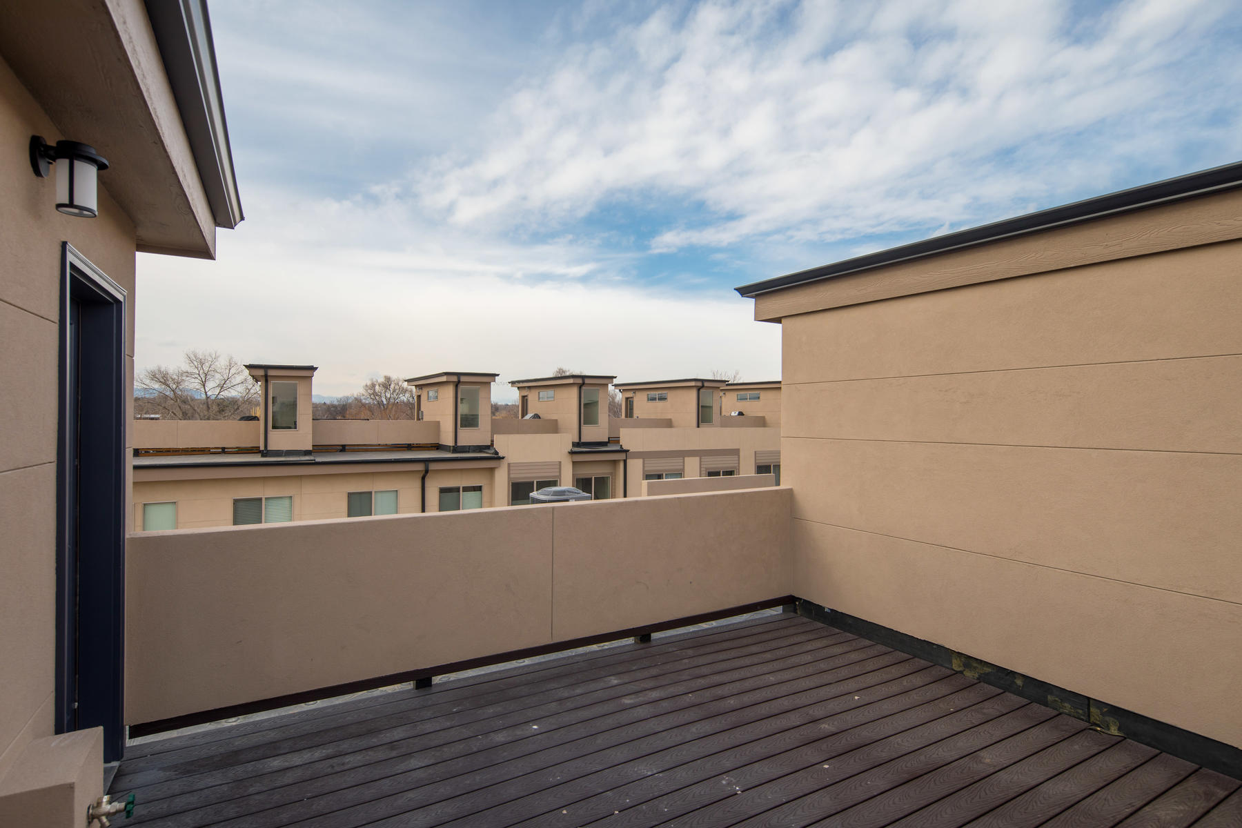 Additional photo for property listing at Brand New Townhome Between Observatory Park & University Hills 4751 E Iliff Avenue, Denver, Colorado 80222 Vereinigte Staaten