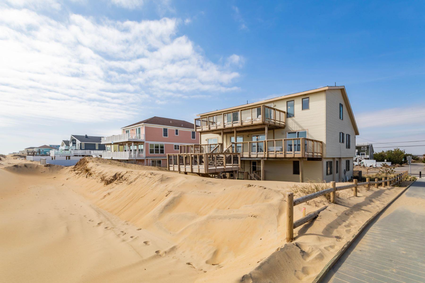 "Single Family Homes のために 売買 アット 3300 Sandfiddler Road ""Mardi Gras"" Virginia Beach, バージニア 23456 アメリカ"
