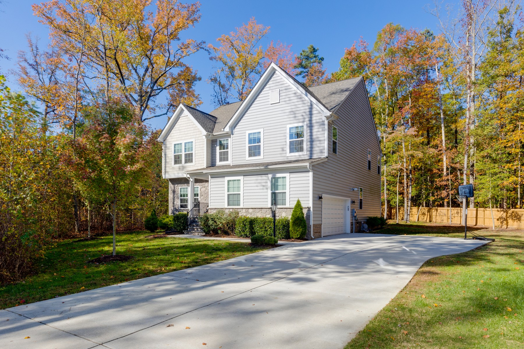 Single Family Homes for Active at 3860 Laroux Avenue Richmond, Virginia 23237 United States
