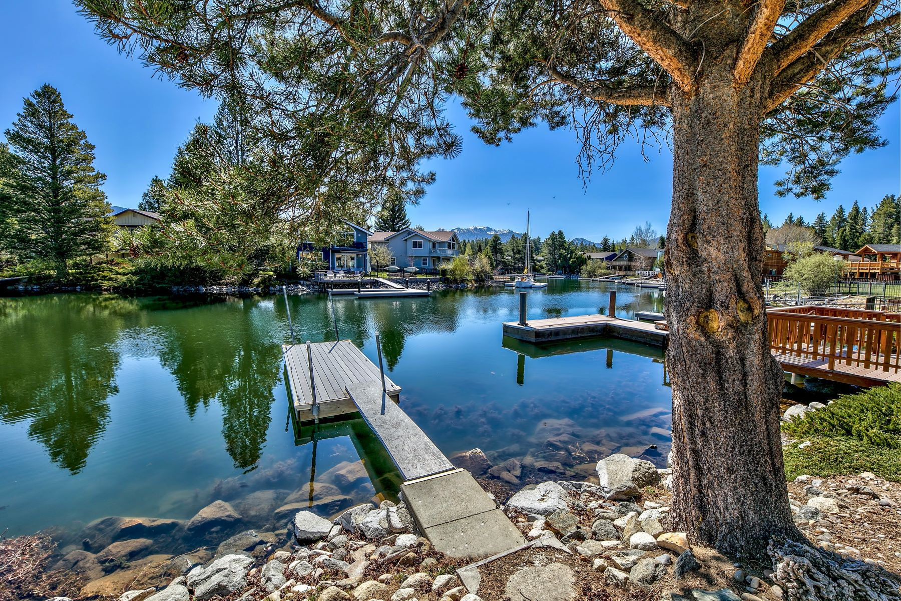 Additional photo for property listing at Lowest Priced Tahoe Keys Waterfront in the Keys 1819 VENICE DRIVE South Lake Tahoe, California 96150 United States