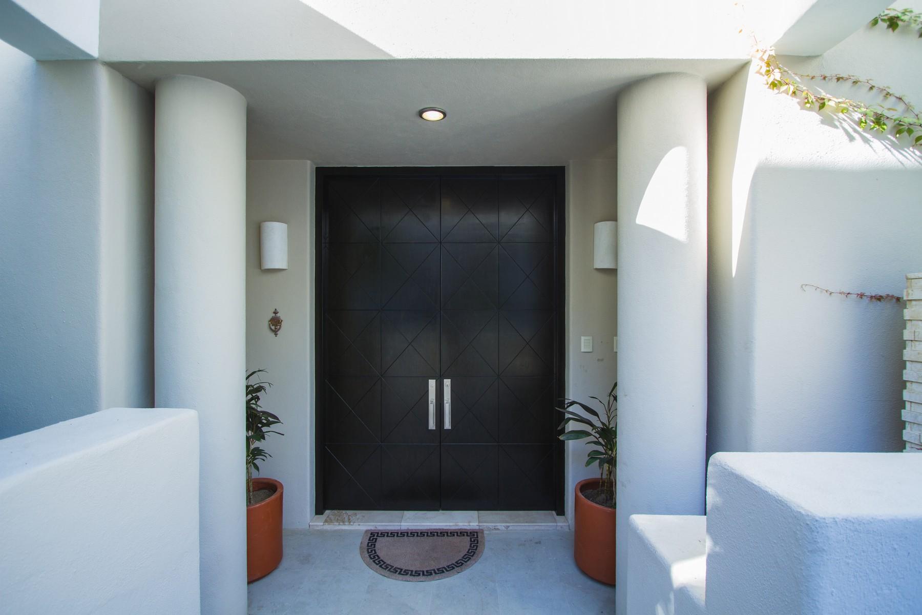 Casa Unifamiliar por un Venta en Villa Stephanie Villa 6 KM 18.5 Other Baja California Sur, Baja California Sur 23405 México