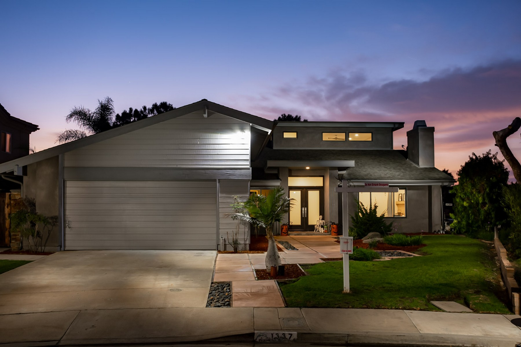 Single Family Home for Active at 1337 Sea Village Drive 1337 Sea Village Drive Cardiff By The Sea, California 92007 United States