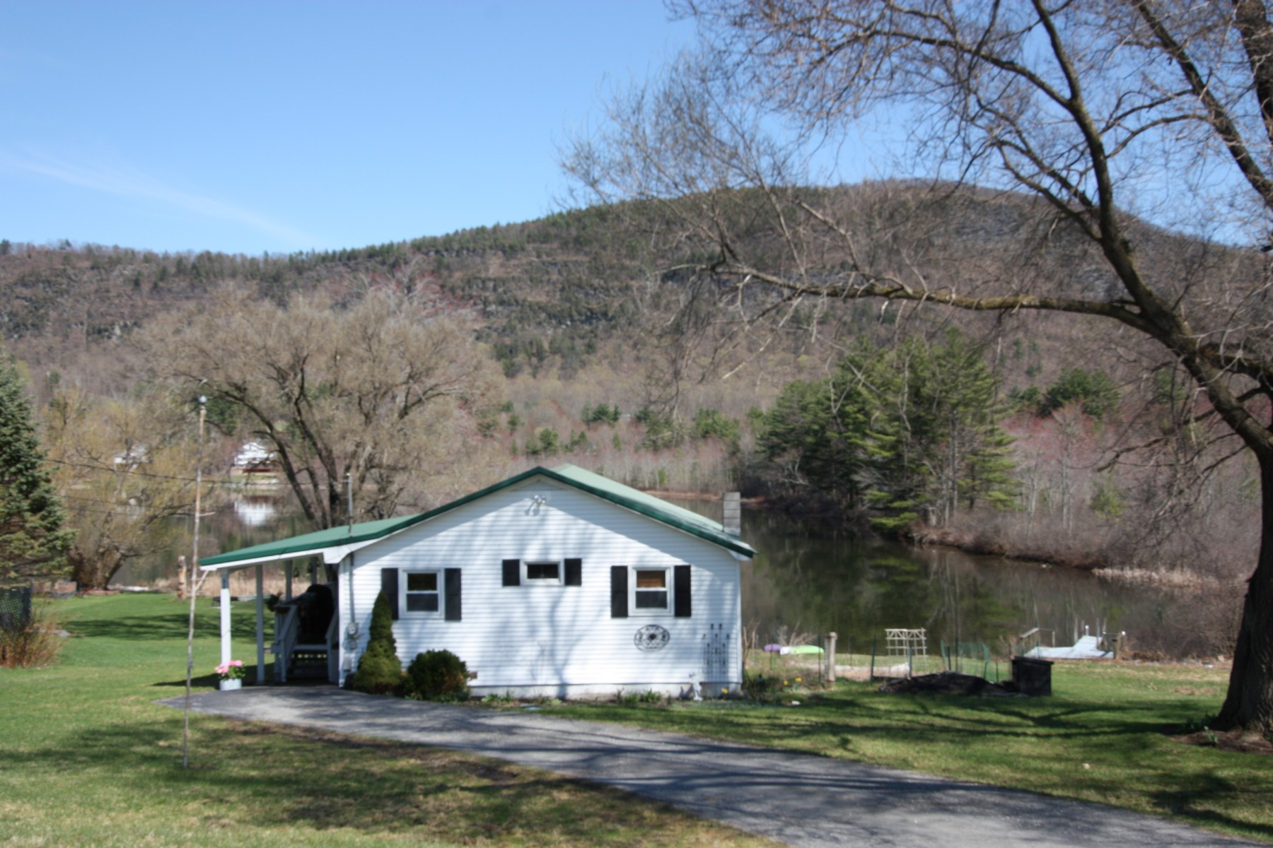Single Family Homes for Sale at 86 Western Shores Road, Wells 86 Western Shores Rd Wells, Vermont 05774 United States