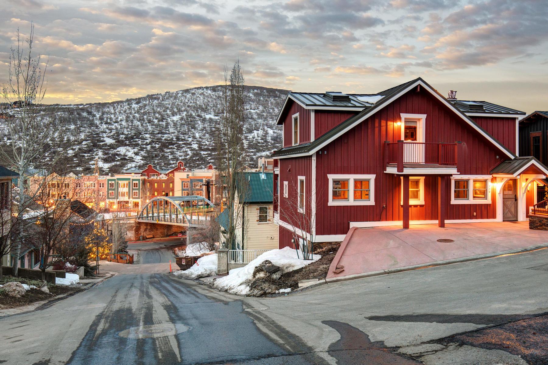 """Einfamilienhaus für Verkauf beim """"The Red Barn"""". Epic Park City History in an Irreplaceable Setting. 730 Norfolk Ave Park City, Utah, 84060 Vereinigte Staaten"""