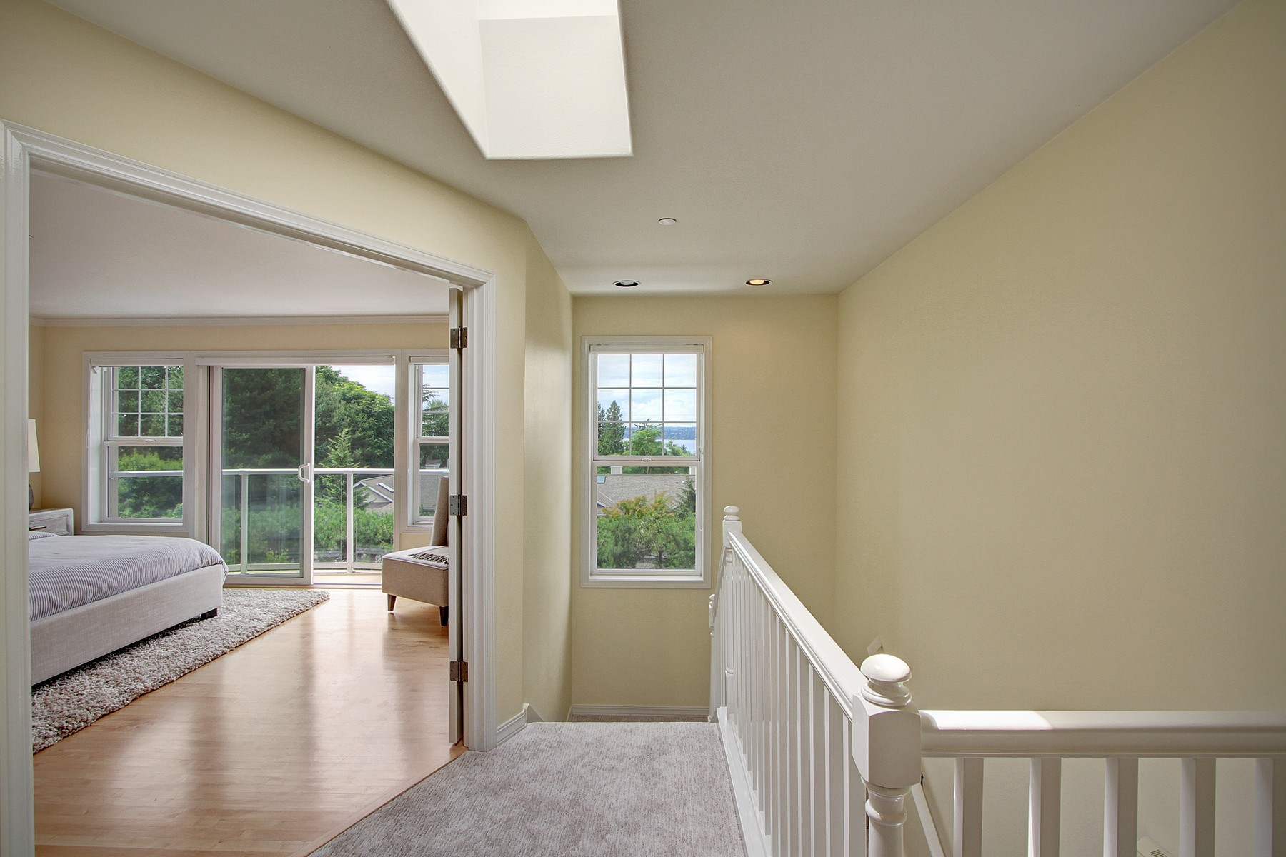 Additional photo for property listing at Houghton Townhome 703 9th Ave S Kirkland, Washington 98033 United States