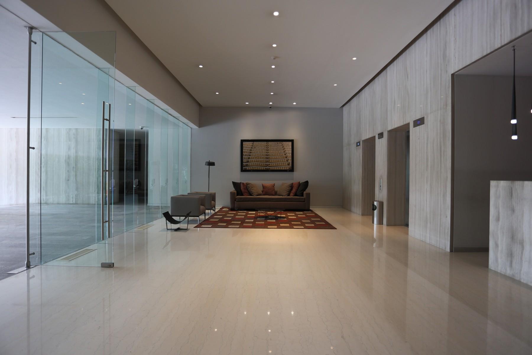 Additional photo for property listing at Torres del Parque, Bosques de Santa Fe  Federal District, Mexico Df 05600 México