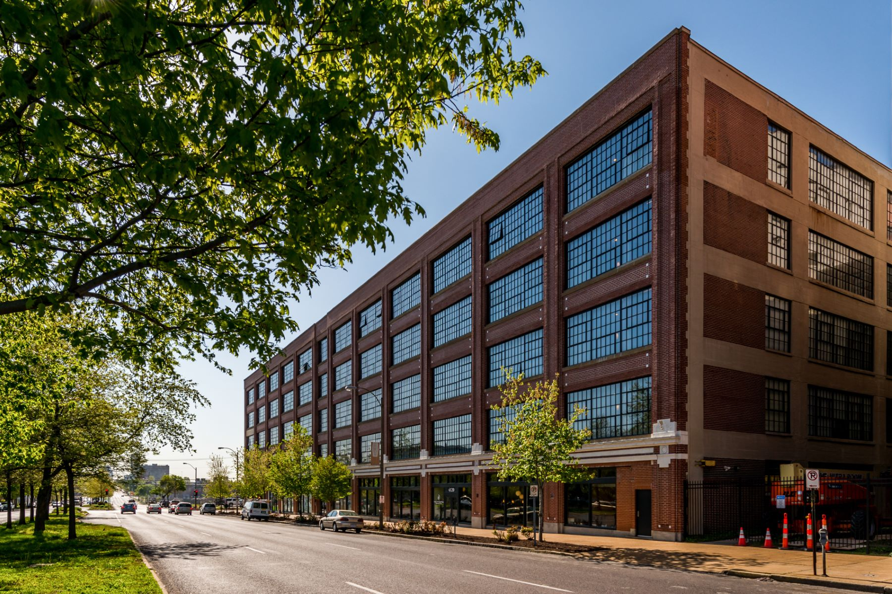 Condominium for Sale at Forest Park Ave 4100 Forest Park Ave # 220 St. Louis, Missouri 63108 United States