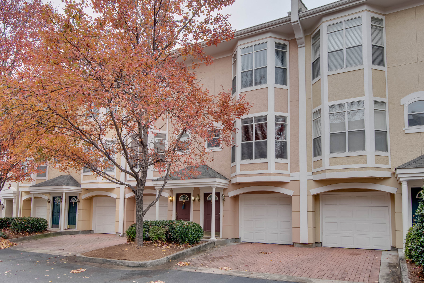 Townhouse for Sale at Three-Level Tomehome 375 Highland Ave 915 Atlanta, Georgia 30312 United States