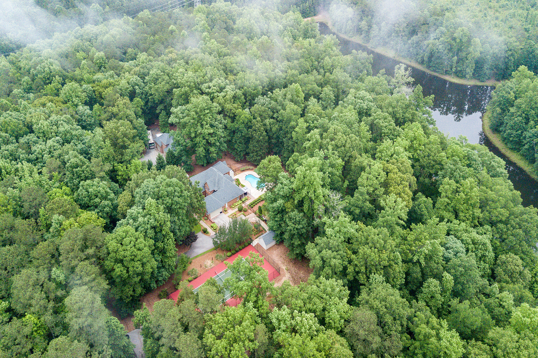 Additional photo for property listing at Luxury Estate on 50 Plus Acres With Tennis Court, Pool, and Pond! 3486 Jonesboro Road Hampton, Georgien 30228 Usa