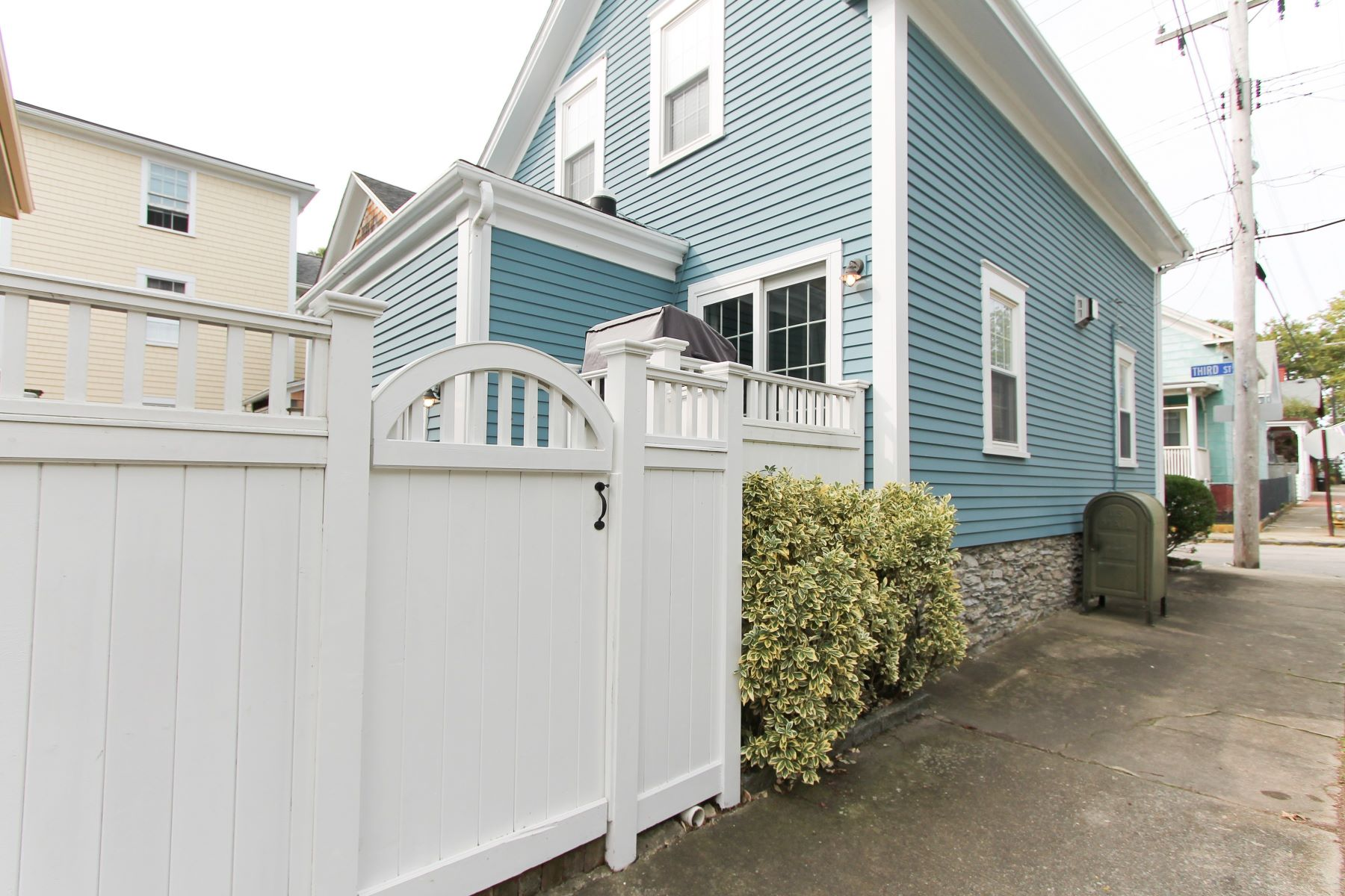 Additional photo for property listing at Dalton E. Young House 55 Third Street Newport, Rhode Island 02840 United States