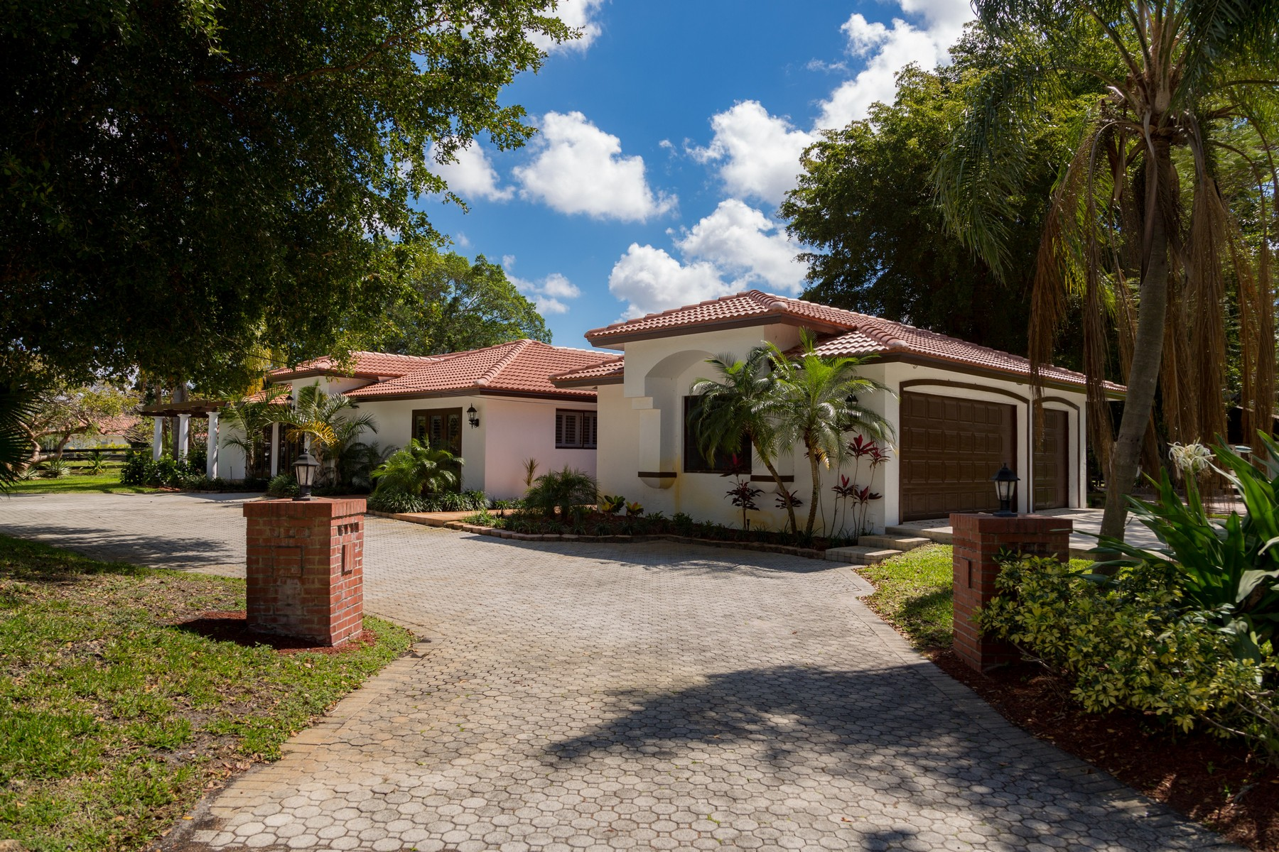 Single Family Home for Sale at 8234 Stagecoach Ln , Boca Raton, FL 33496 8234 Stagecoach Ln Boca Raton, Florida, 33496 United States