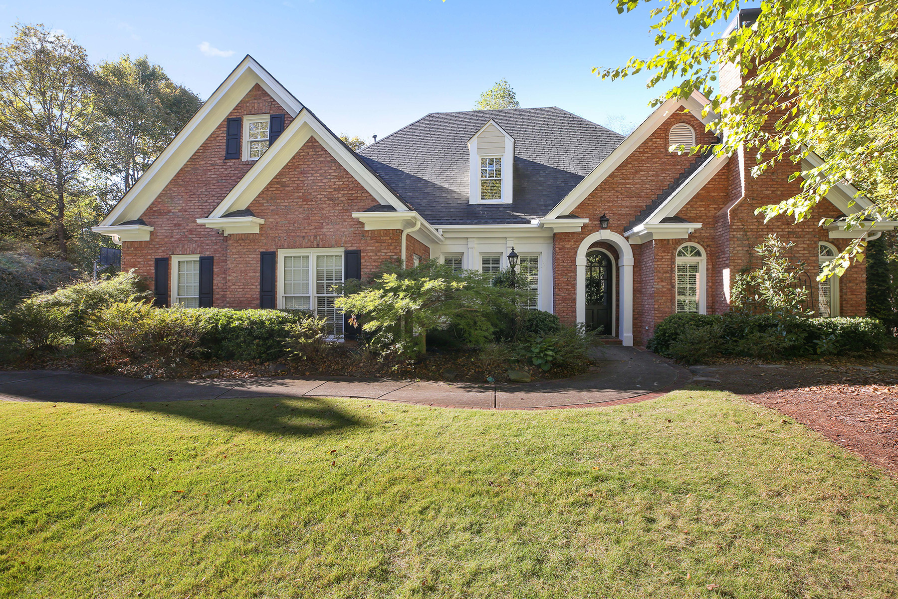 Single Family Home for Sale at Beautifully Renovated Brick Ranch In Popular Amberfield 3920 Royal Pennon Court Peachtree Corners, Georgia 30092 United States
