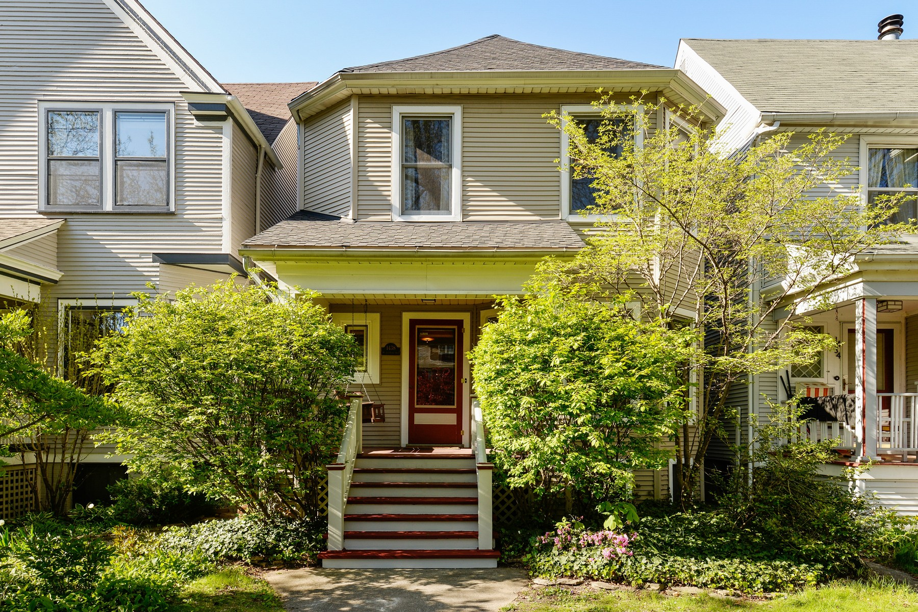 Maison unifamiliale pour l Vente à Graceland West Home 1438 W Cullom Avenue Chicago, Illinois, 60613 États-Unis