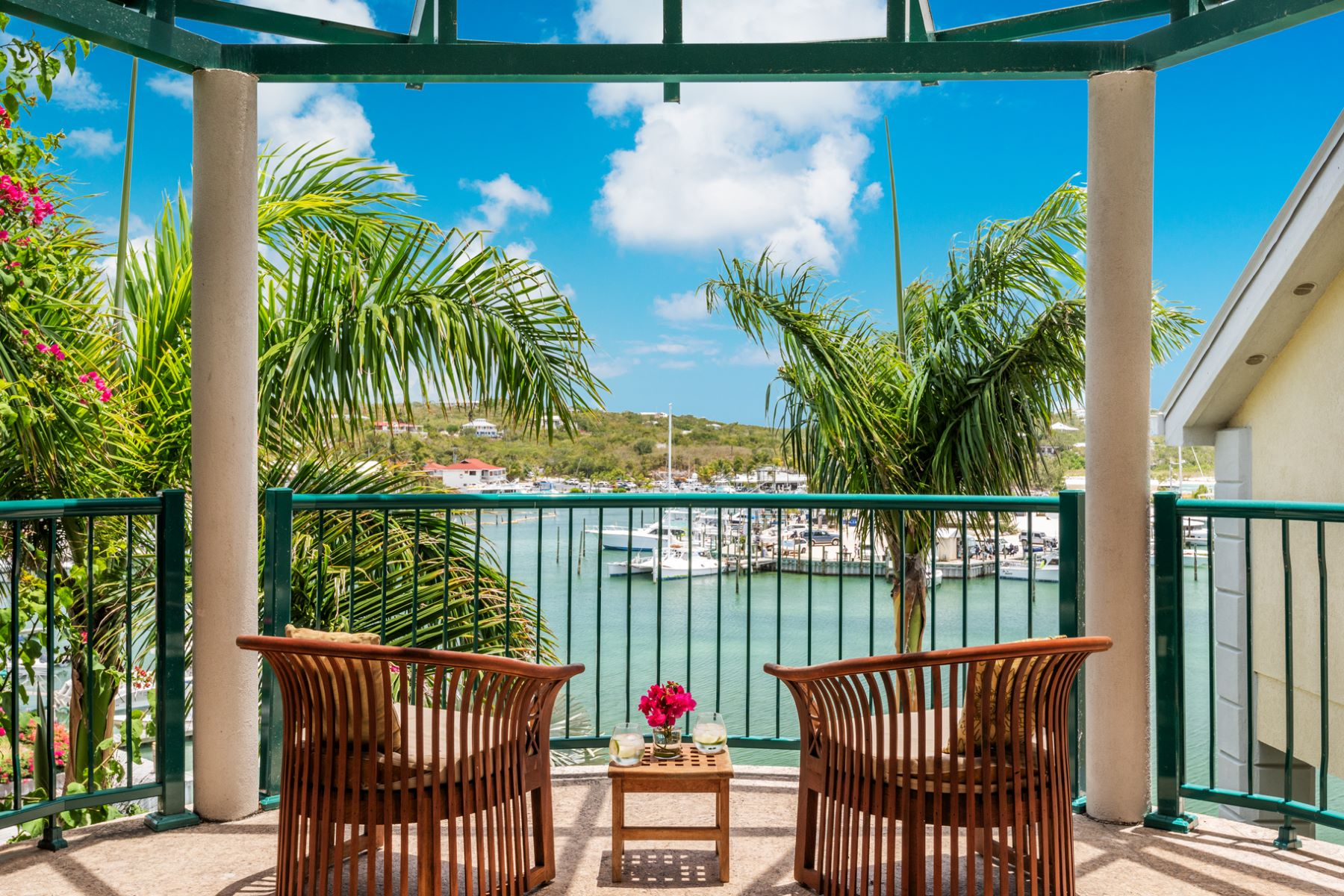 Condominio por un Venta en The Yacht Club - C14 The Yacht Club, Turtle Cove, Providenciales Islas Turcas Y Caicos