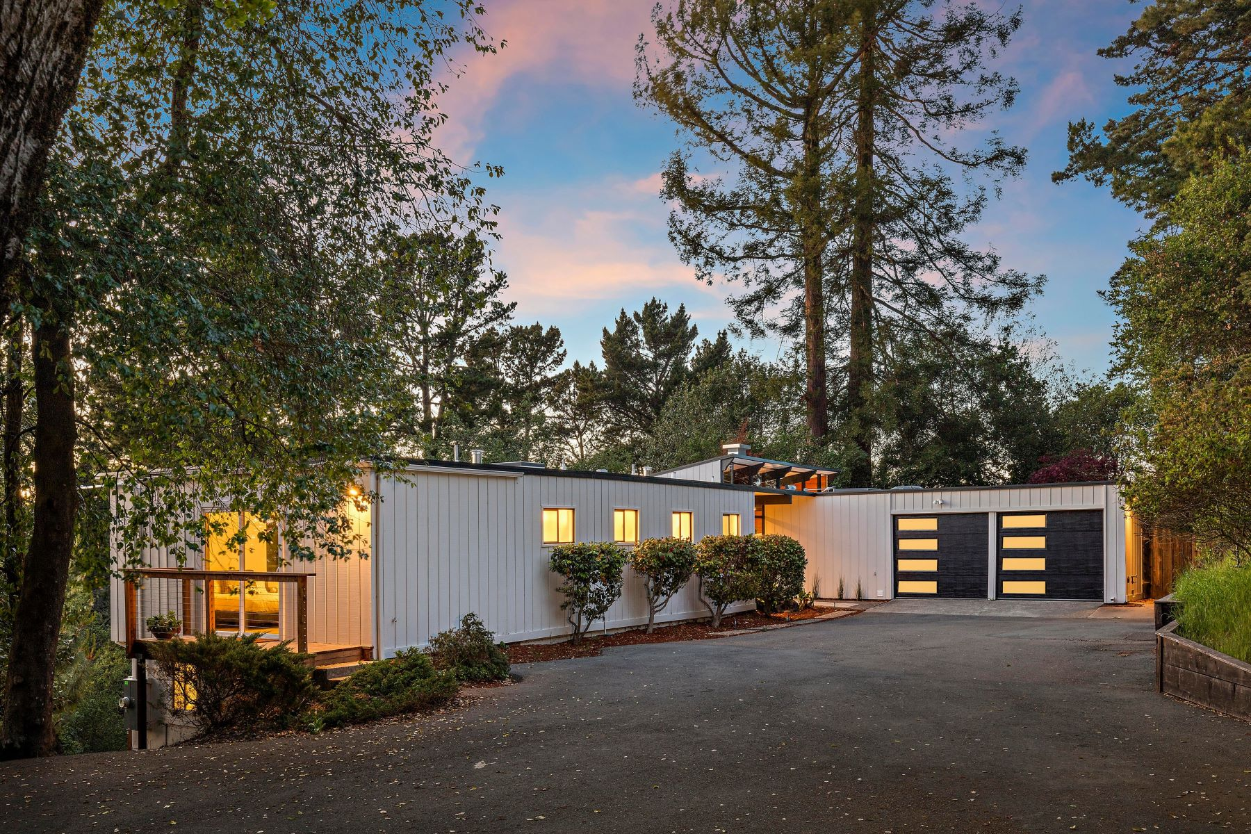 Single Family Homes for Sale at Updated Contemporary Urban Retreat 13180 Skyline Boulevard Oakland, California 94619 United States