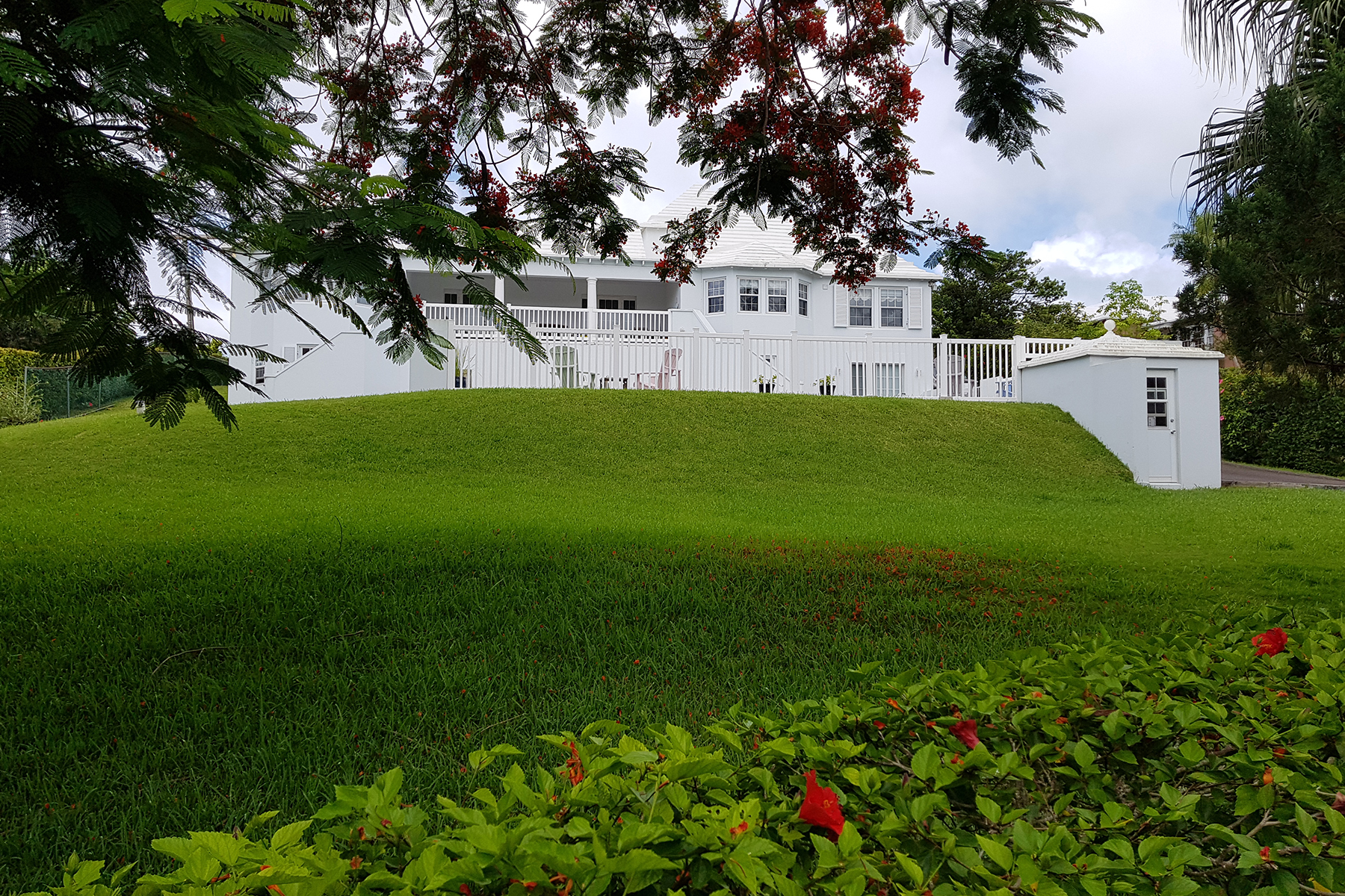 Single Family Homes for Sale at Rubicon & Caesar Cottage 2 Deepwood Drive Pembroke, Other Areas In Bermuda HM 05 Bermuda