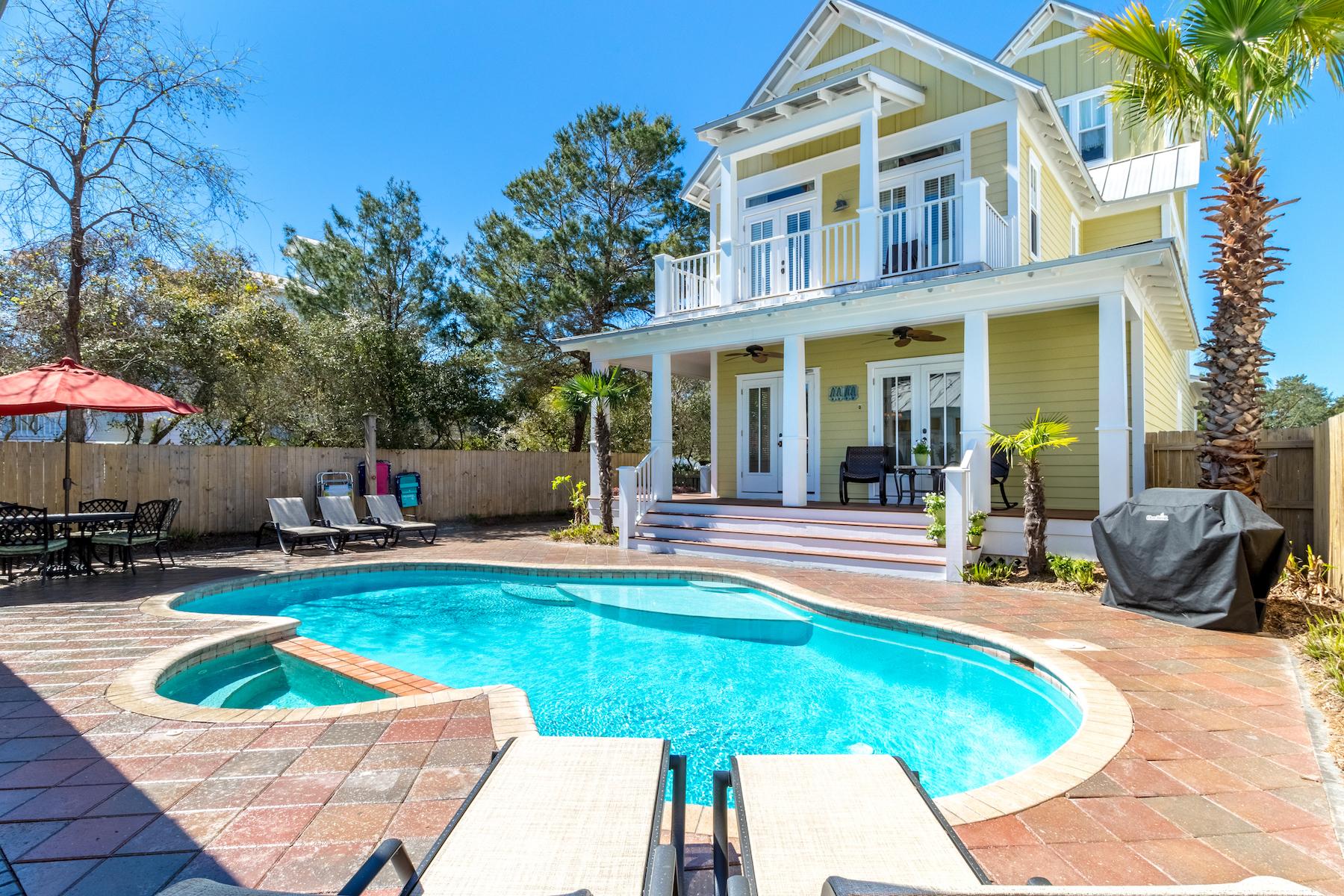 단독 가정 주택 용 매매 에 Sleeps 18 and Has Large Private Pool in Crystal Beach 91 Barracuda Street, Destin, 플로리다, 32541 미국