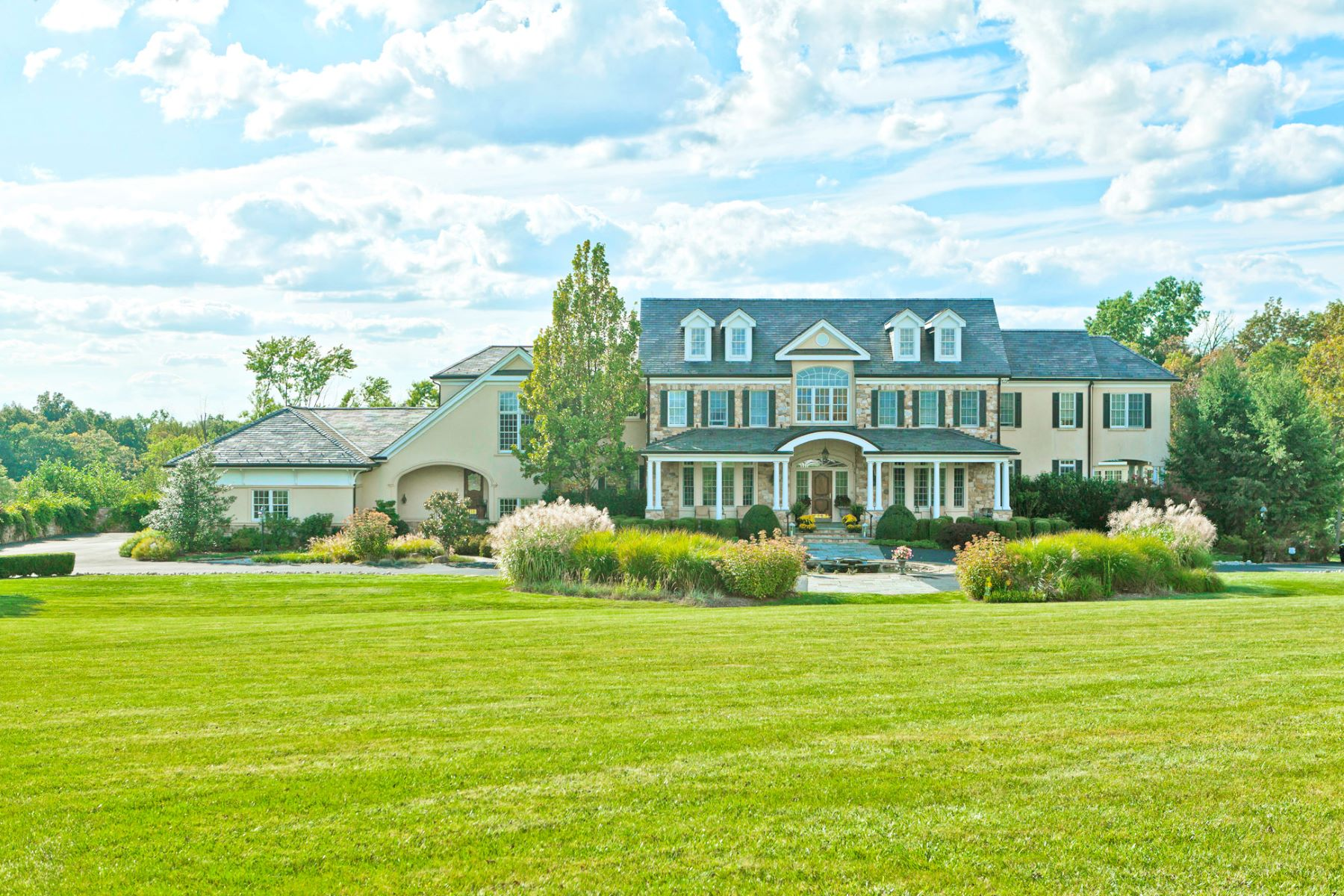 Villa per Vendita alle ore The Ultimate Wall Street Getaway 131 - 133 Harbourton Woodsville Road Hopewell Township, Lambertville, New Jersey 08530 Stati UnitiIn/In giro: Hopewell Township