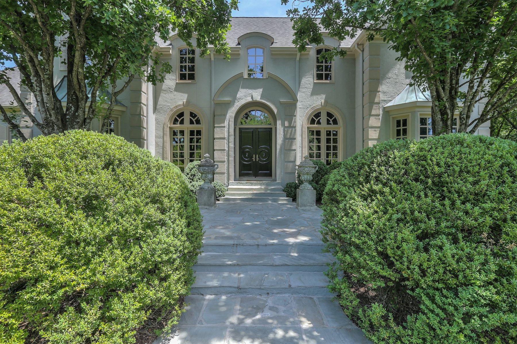 独户住宅 为 销售 在 Custom European Inspired Estate 5906 Hillsboro Pike 那什维尔, 田纳西州 37215 美国