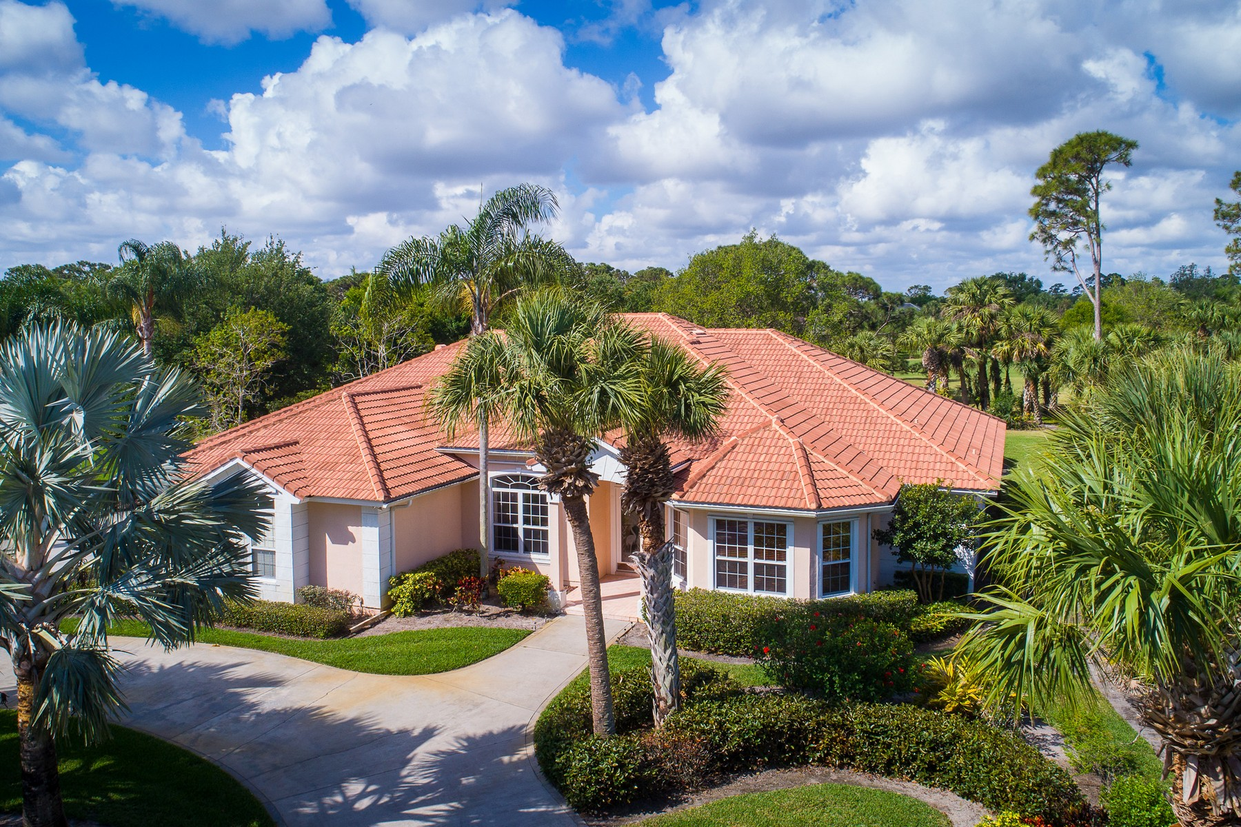 Single Family Home for Sale at Fully Furnished Home on Golf Course! 5851 Bent Pine Drive Vero Beach, Florida 32967 United States