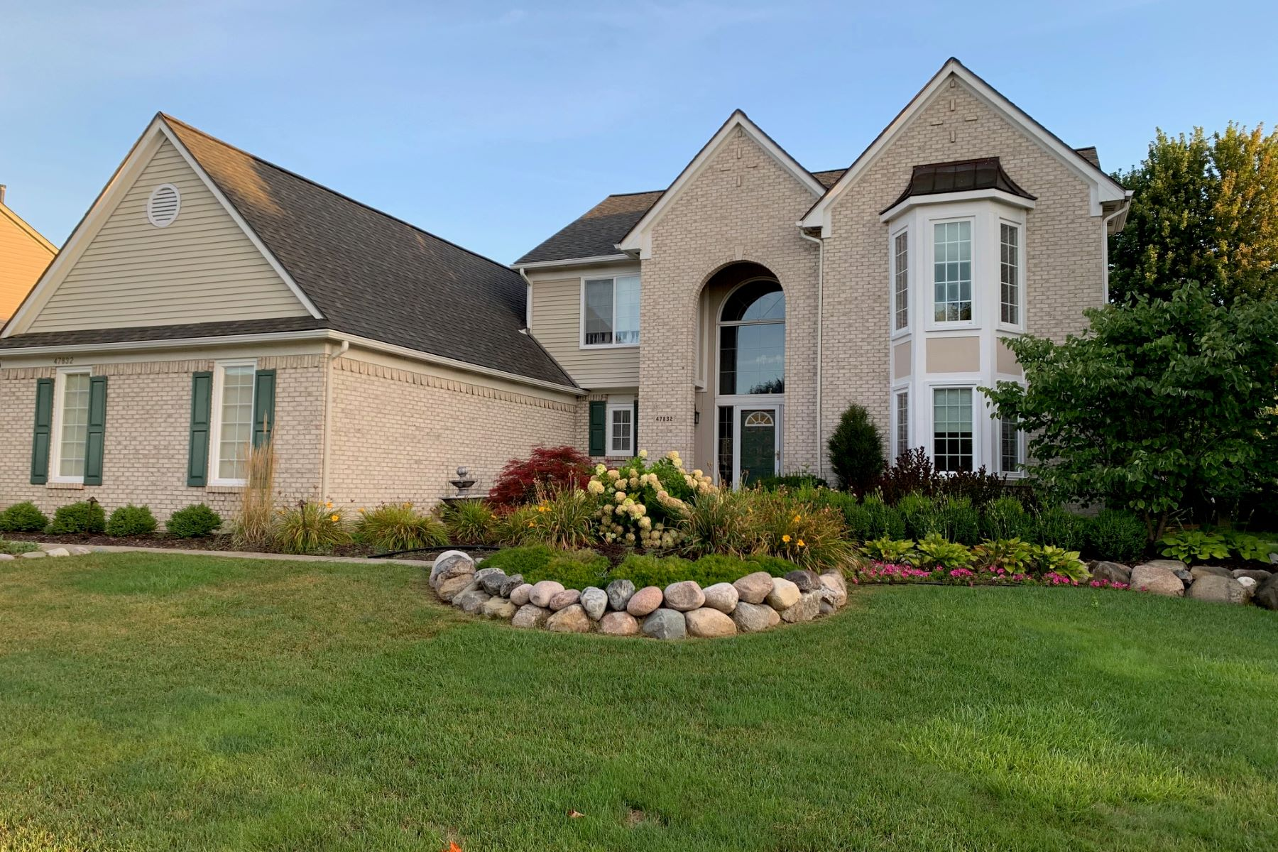 Single Family Homes for Sale at Canton Township 47832 Royal Pointe Drive Canton, Michigan 48187 United States