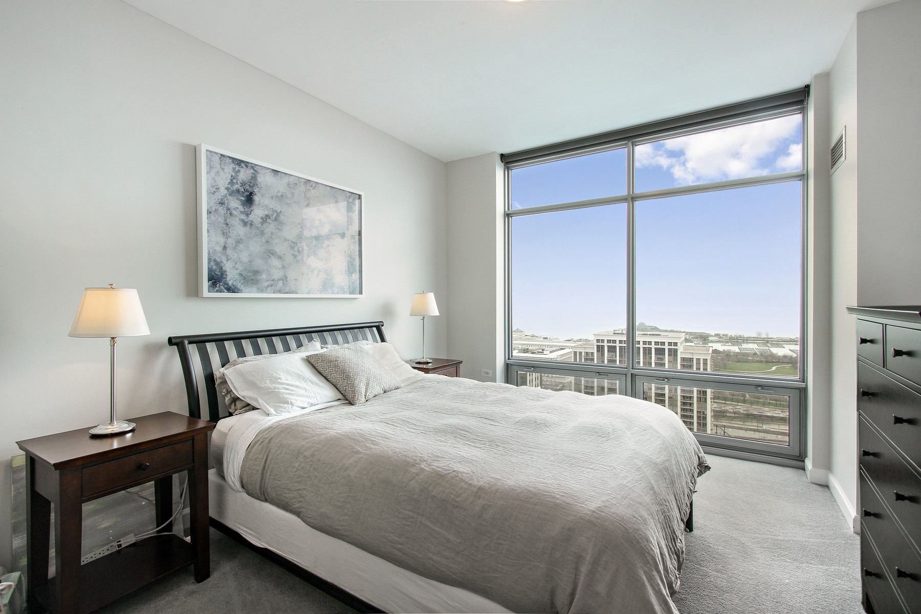 Additional photo for property listing at Luxury South East Corner Three Bed 100 E  14th Street Unit 2805 Chicago, Illinois 60605 United States