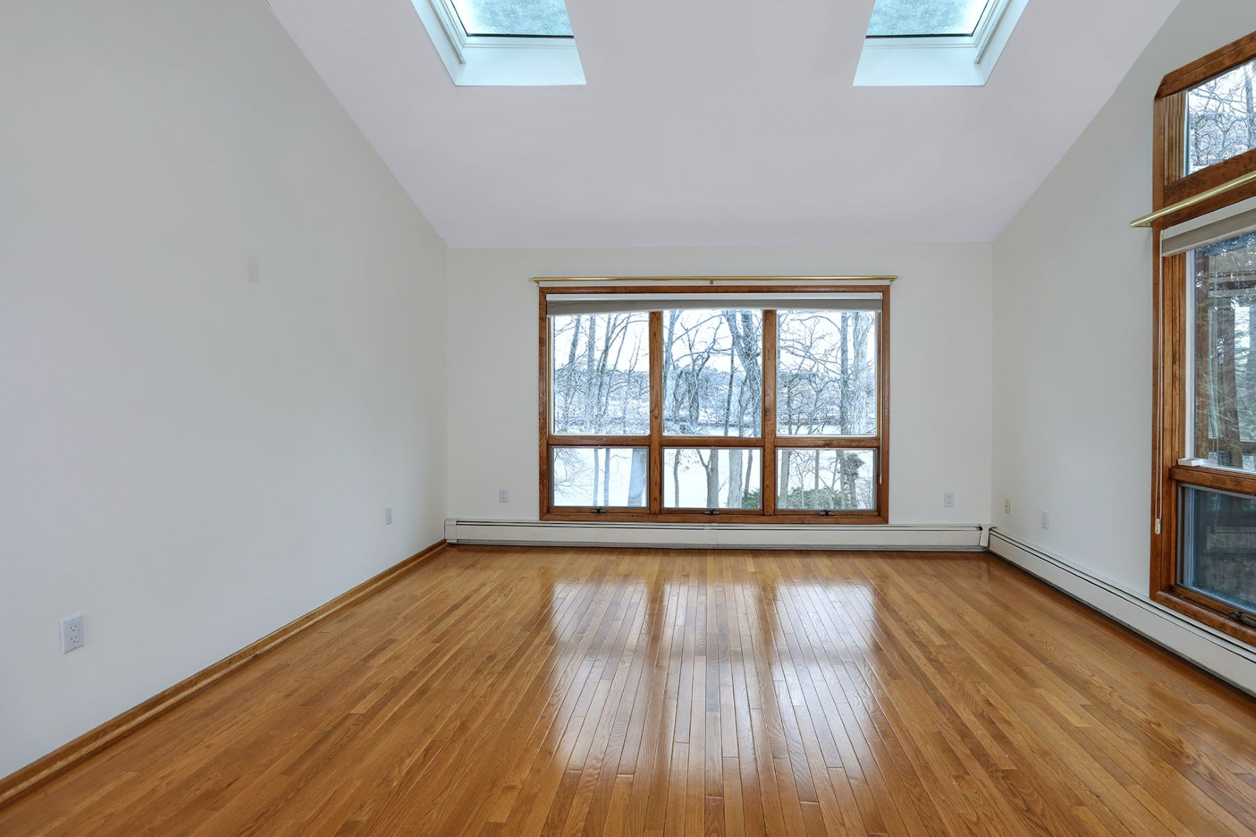 Additional photo for property listing at In Riverside: Light, Space, & Lake Views for Days 621 Lake Drive, Princeton, New Jersey 08540 United States