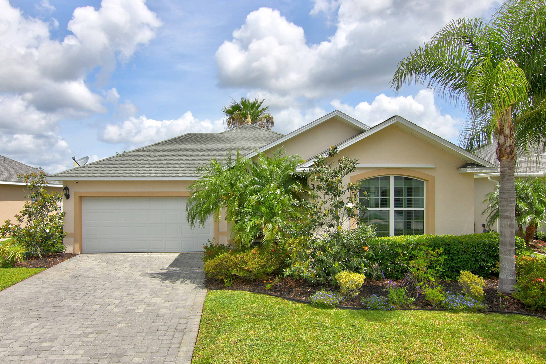 single family homes for Active at 3655 Pini Ave New Smyrna Beach, Florida 32168 United States