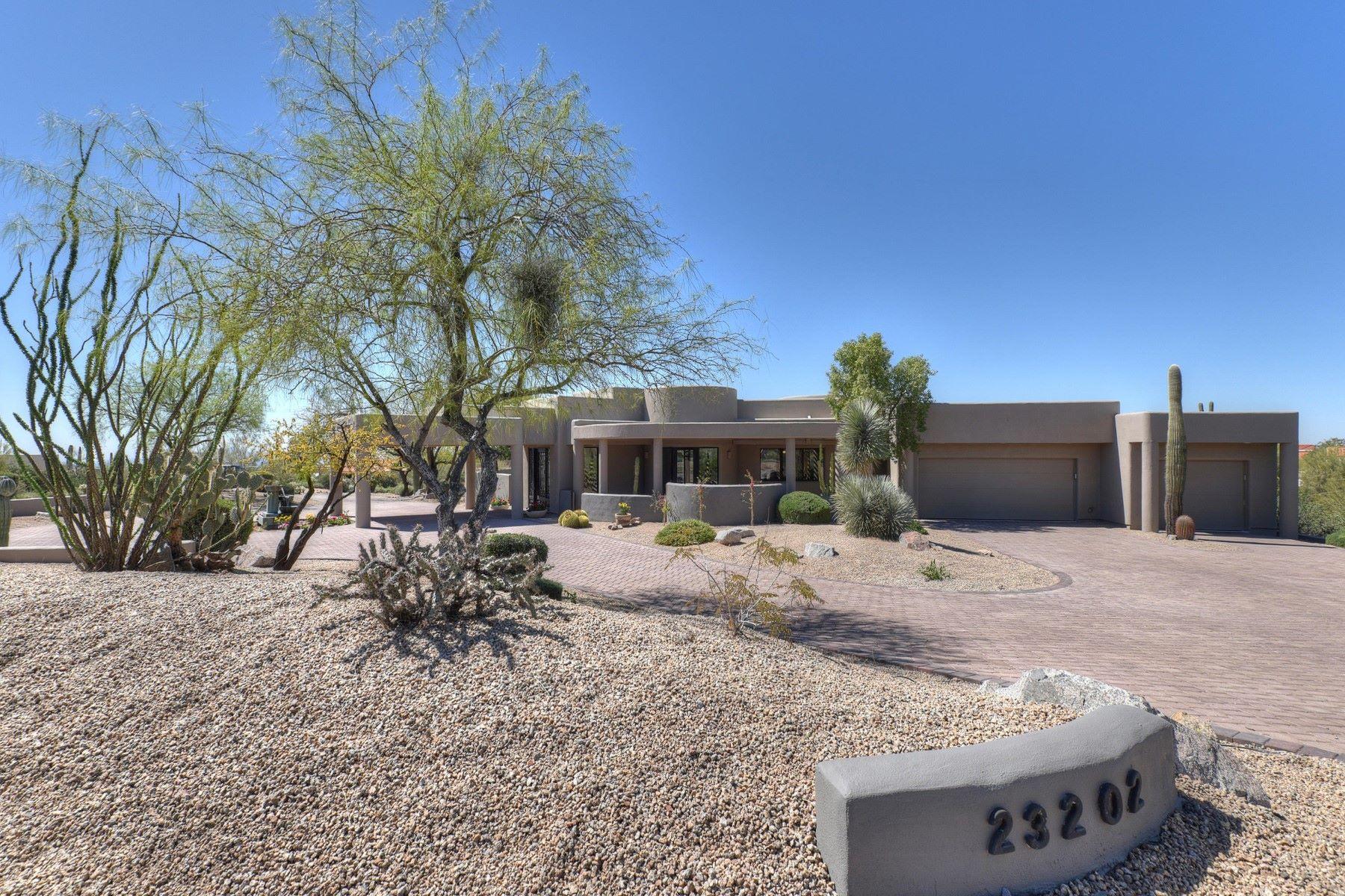 一戸建て のために 売買 アット Luxurious home on a large elevated hill side 23202 N Dobson Rd Scottsdale, アリゾナ, 85255 アメリカ合衆国