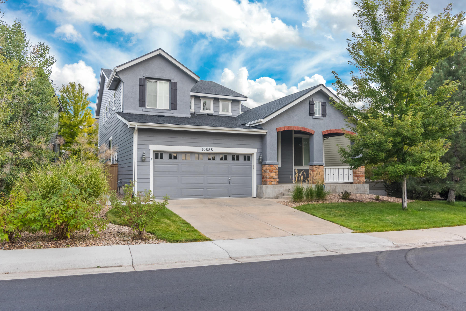 Single Family Homes 为 销售 在 A popular floor plan in Firelight 10888 Oakshire Ave 伊恩和高原牧场, 科罗拉多州 80126 美国
