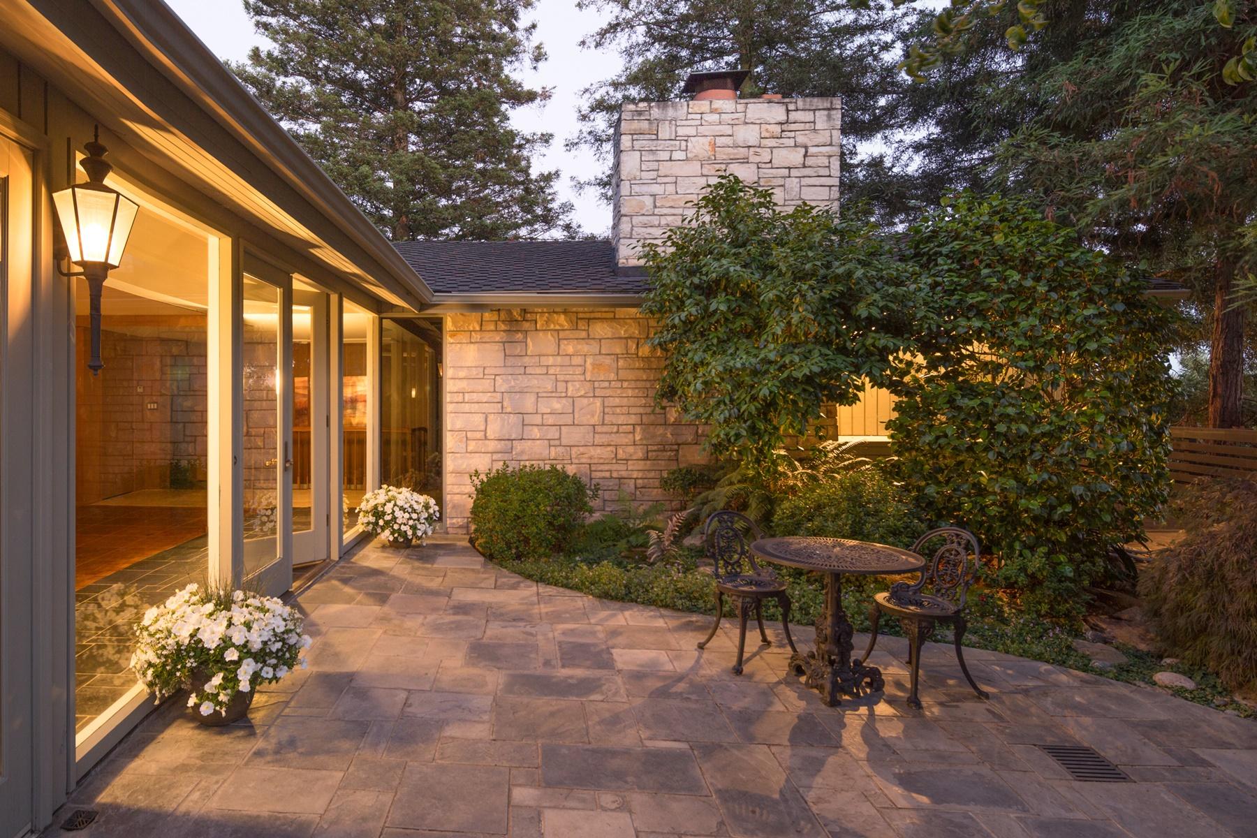 Casa Unifamiliar por un Venta en Designed For Entertaining 108 Dudley Avenue Piedmont, California 94611 Estados Unidos