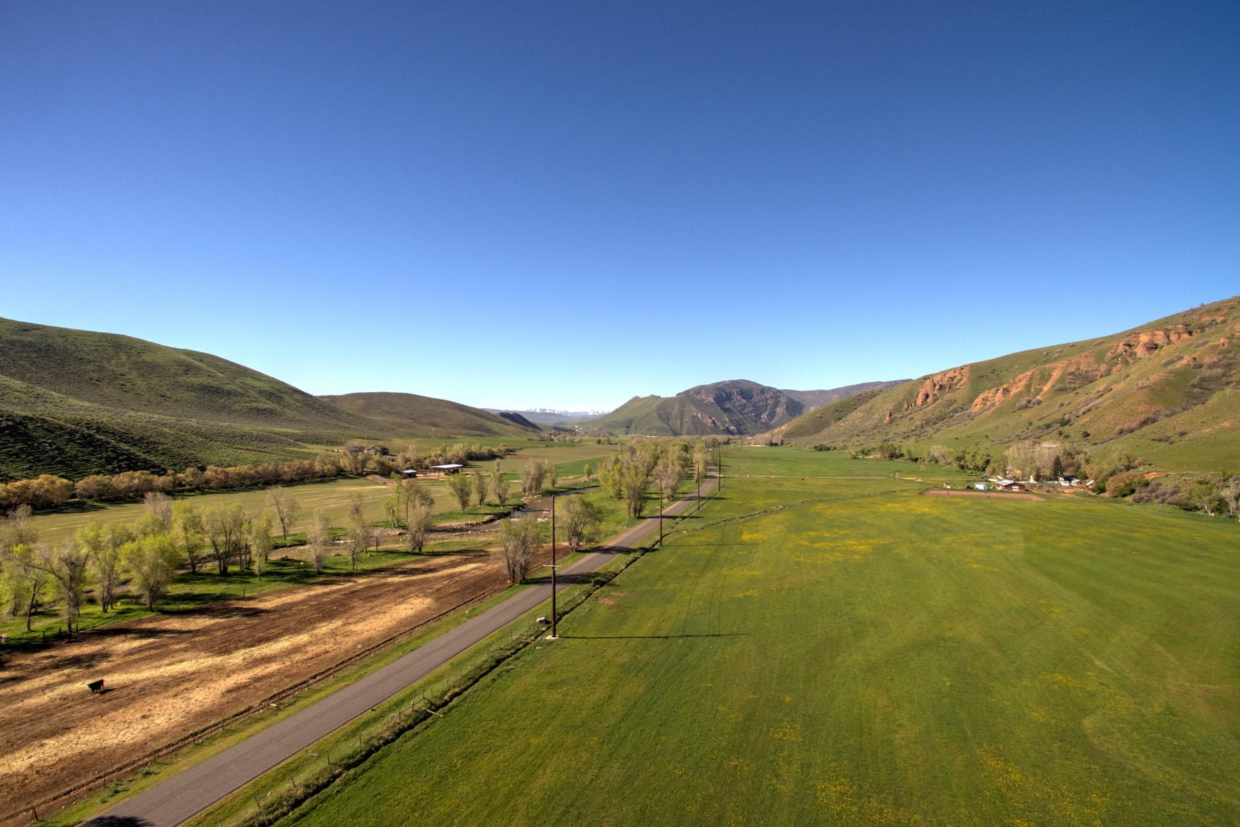 Additional photo for property listing at Peaceful 20 Plus Acre Farm Parcel in Croydon That is Close to Everything 3700 N Lost Creek Rd Croydon, Utah 84018 Estados Unidos